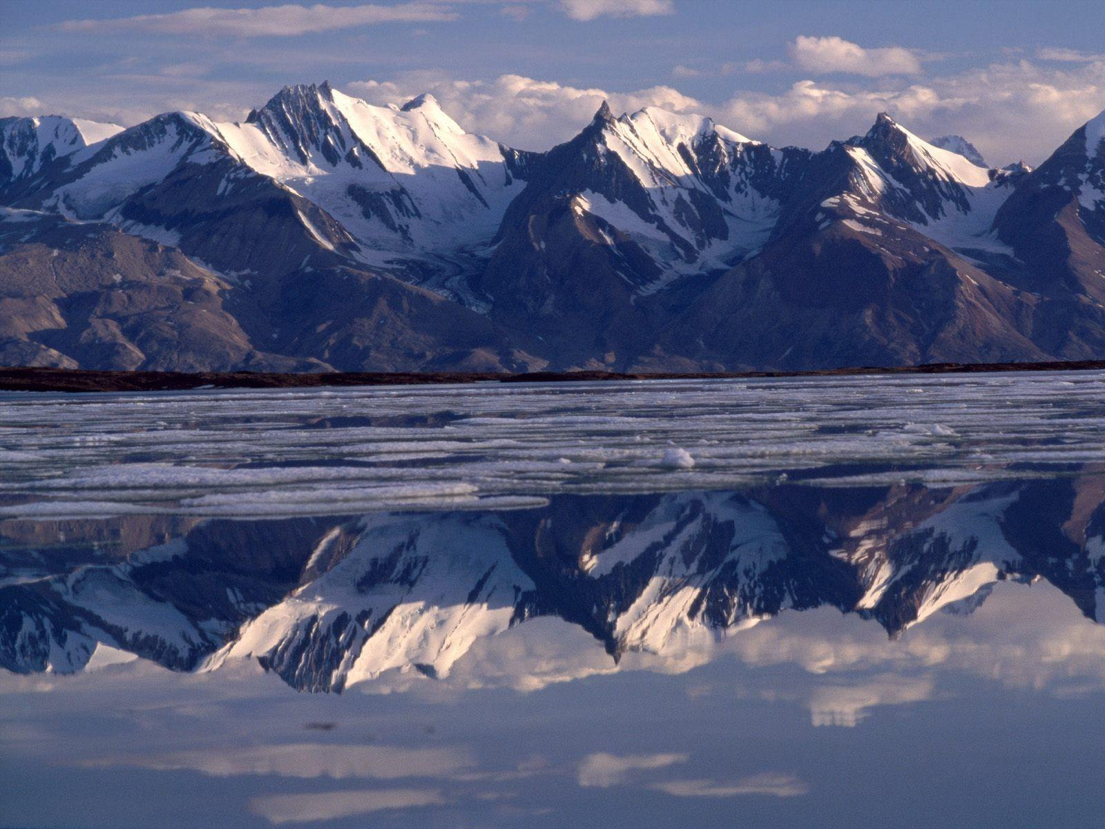HD Wallpapers: 1600x1200 » Nature » Mirror Image, Greenland