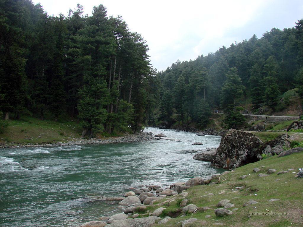 Free river kashmir wallpaper download the 1024x768px wallpaper
