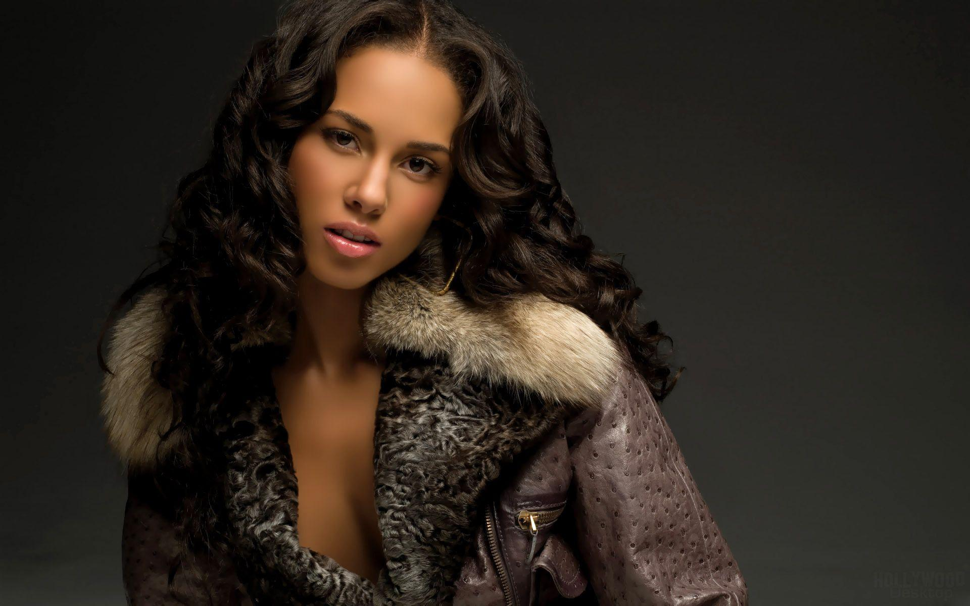 Alicia Keys Photoshoot - Viewing Gallery