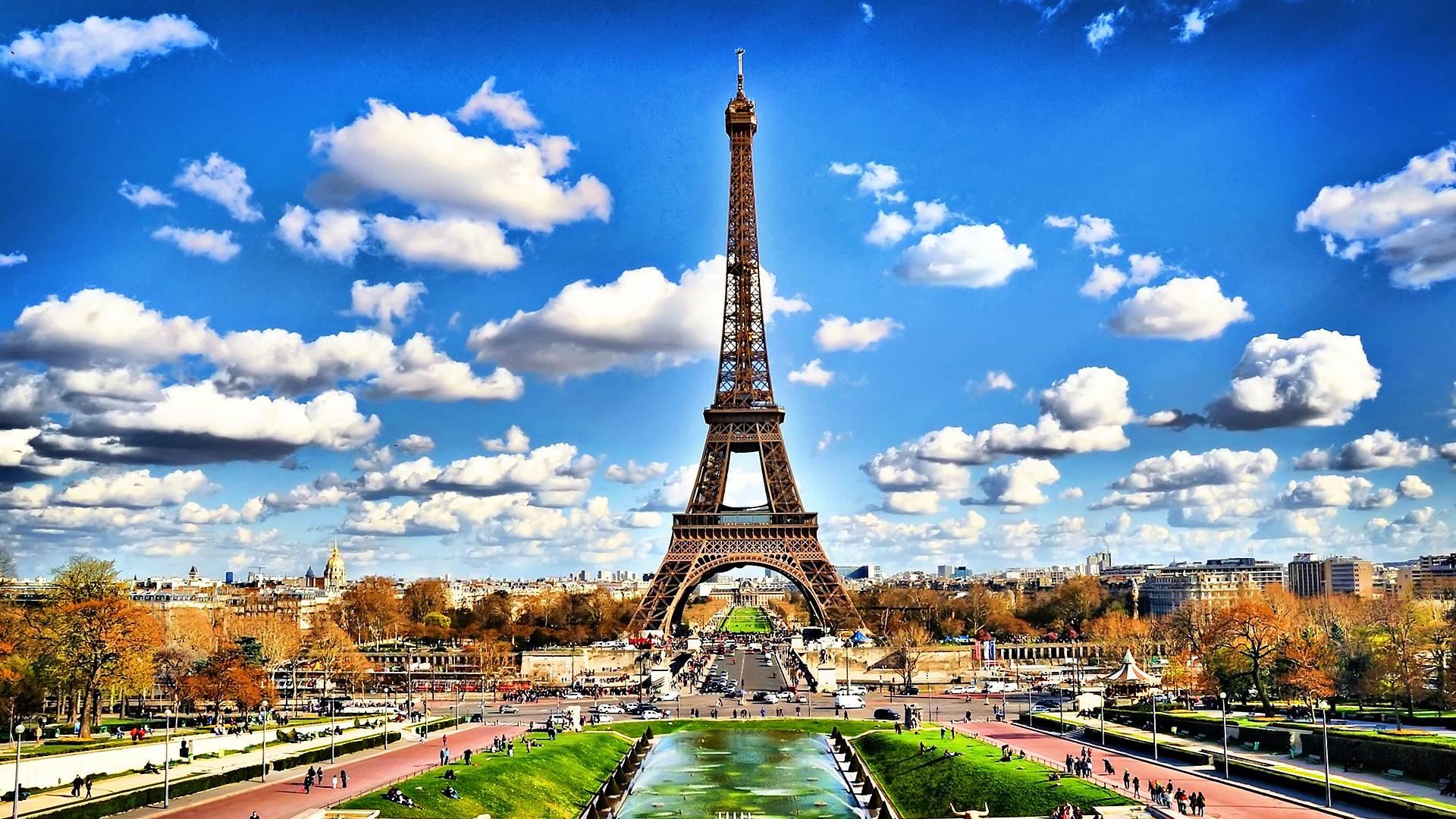 Eiffel Tower Backgrounds Wallpaper