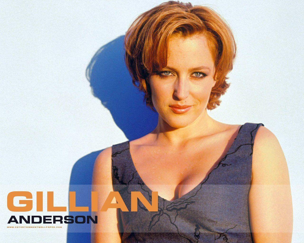 Gillian Anderson Eel g...