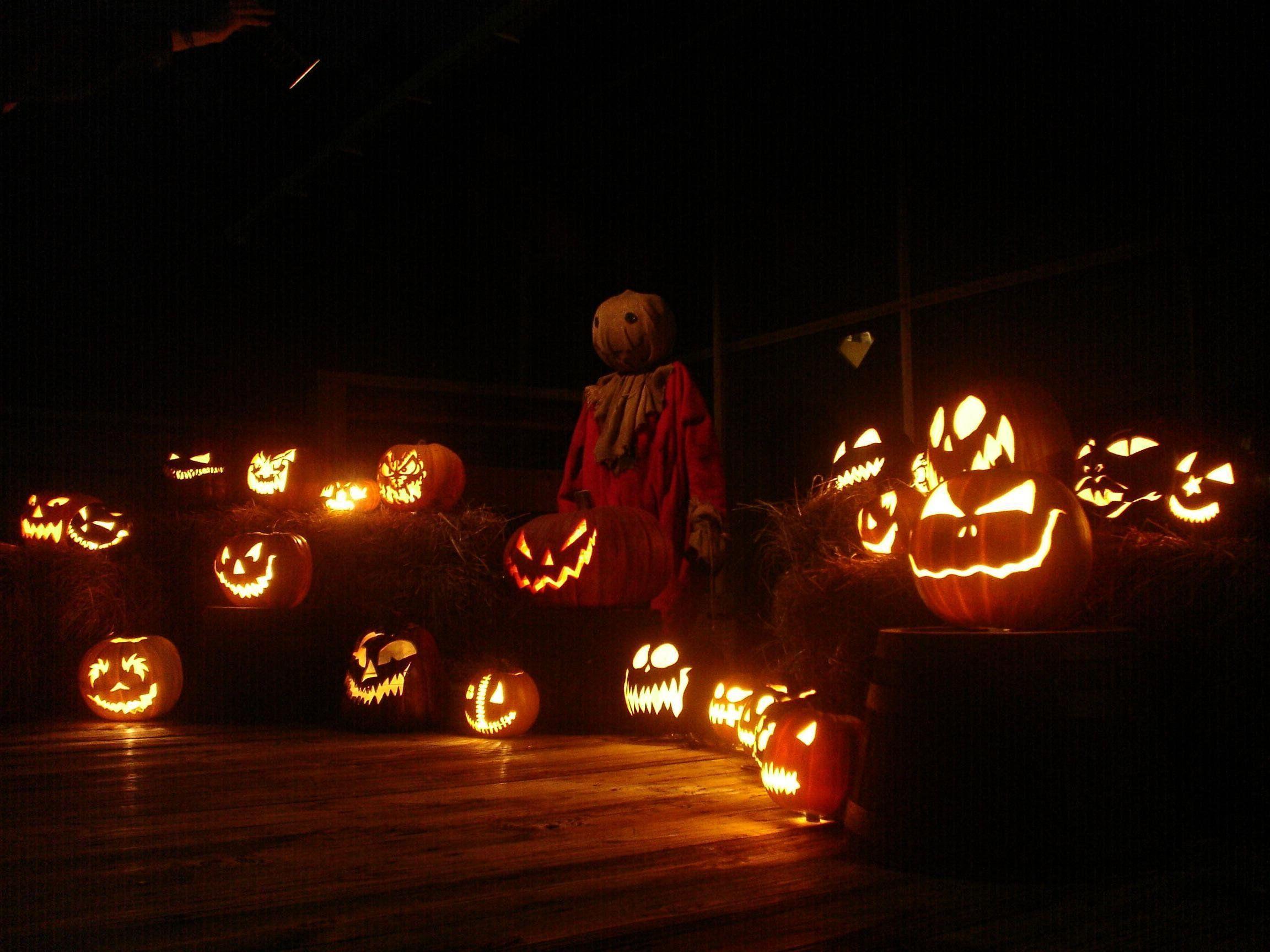 Halloween Trick Or Treat Wallpapers Wallpaper Cave