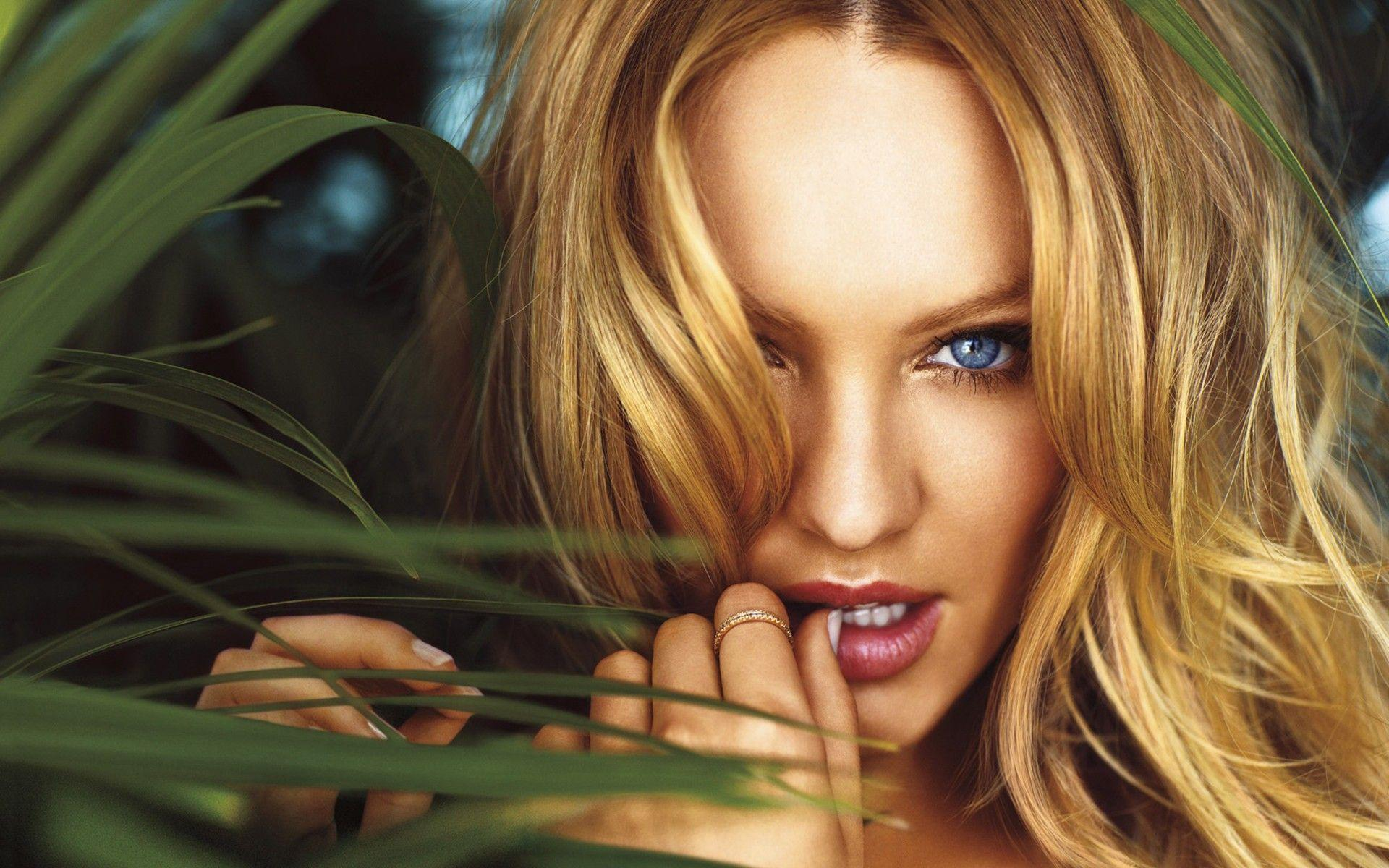 Candice Swanepoel Natural Beauty widescreen wallpaper | Wide-