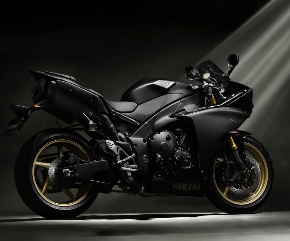 Black Yamaha R6 Wallpaper