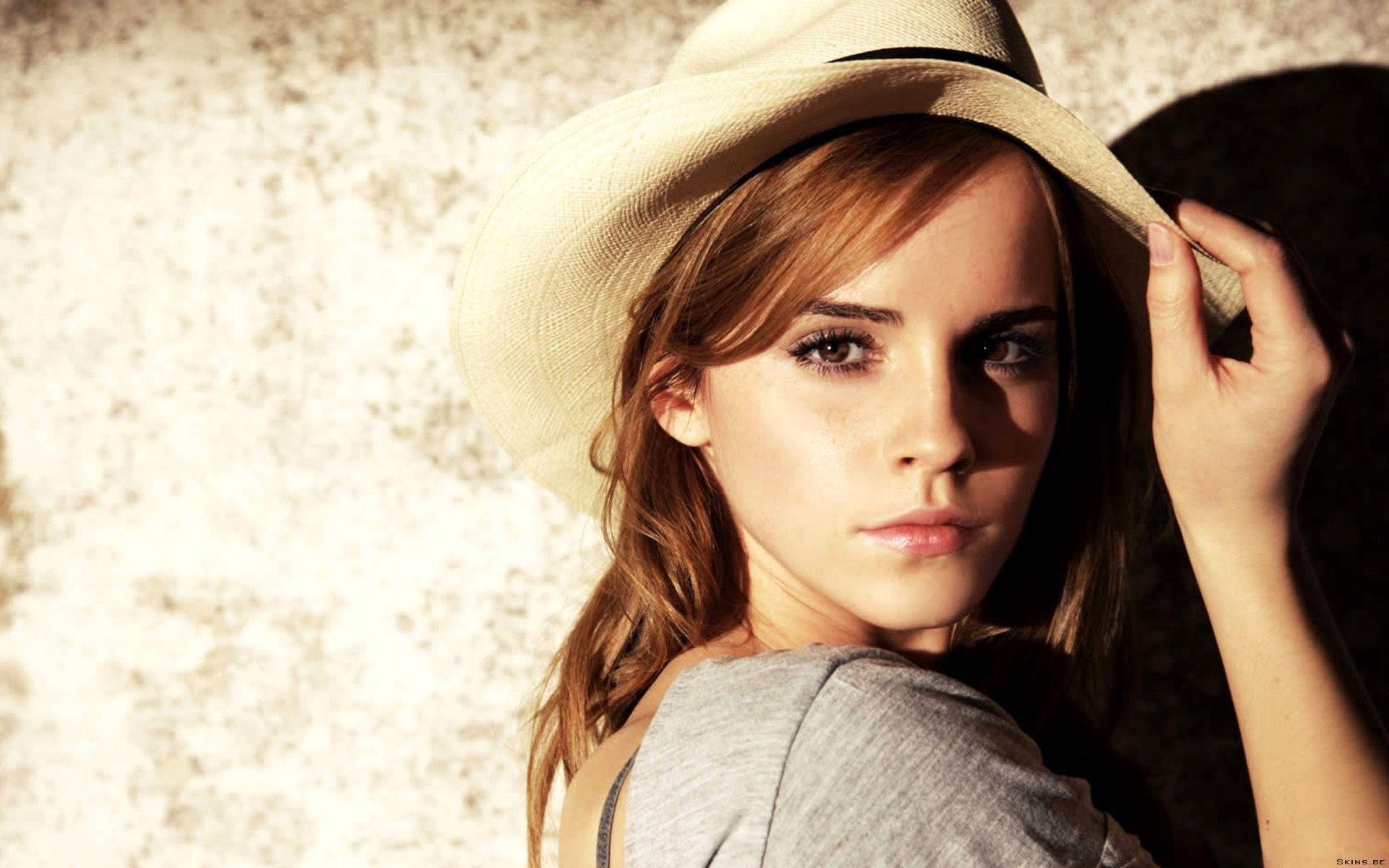 Emma Watson Wallpaper 63 Backgrounds | Wallruru.