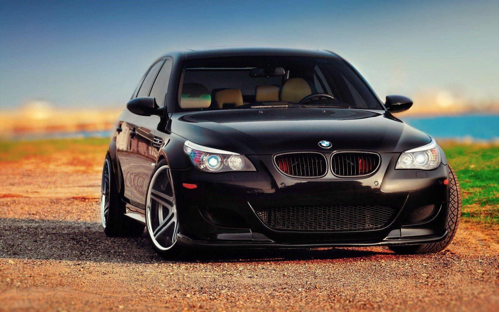 22 BMW M5 Wallpapers