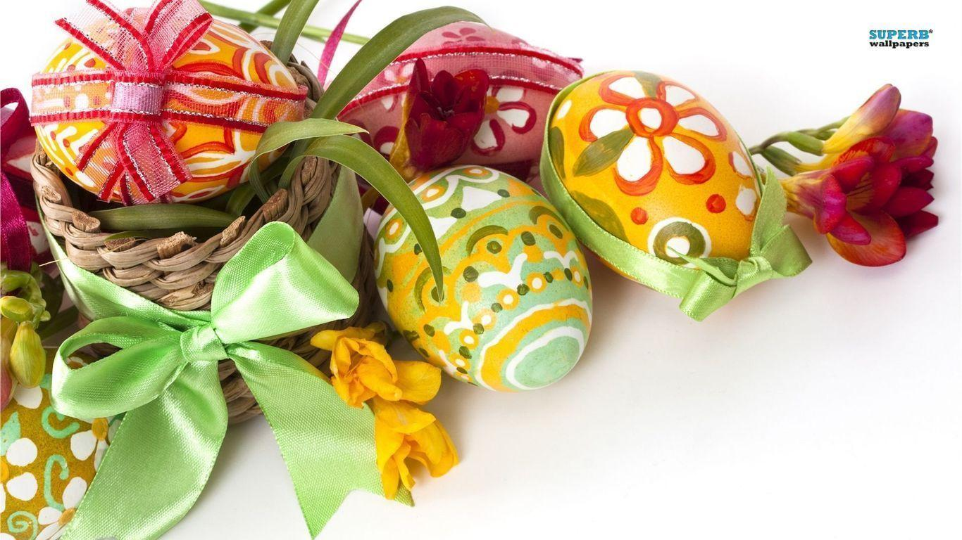 Easter Eggs And Flowers Wallpaper