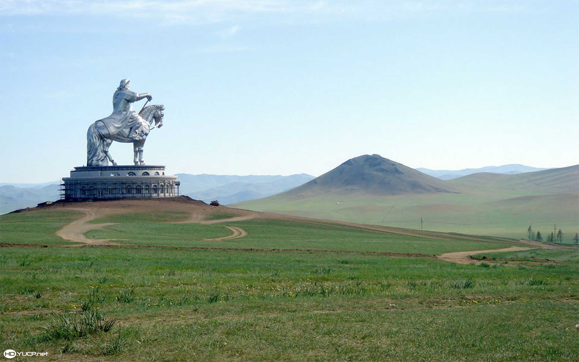 Giant Ghinggis Khaan Statue Mongolia Wallpapers