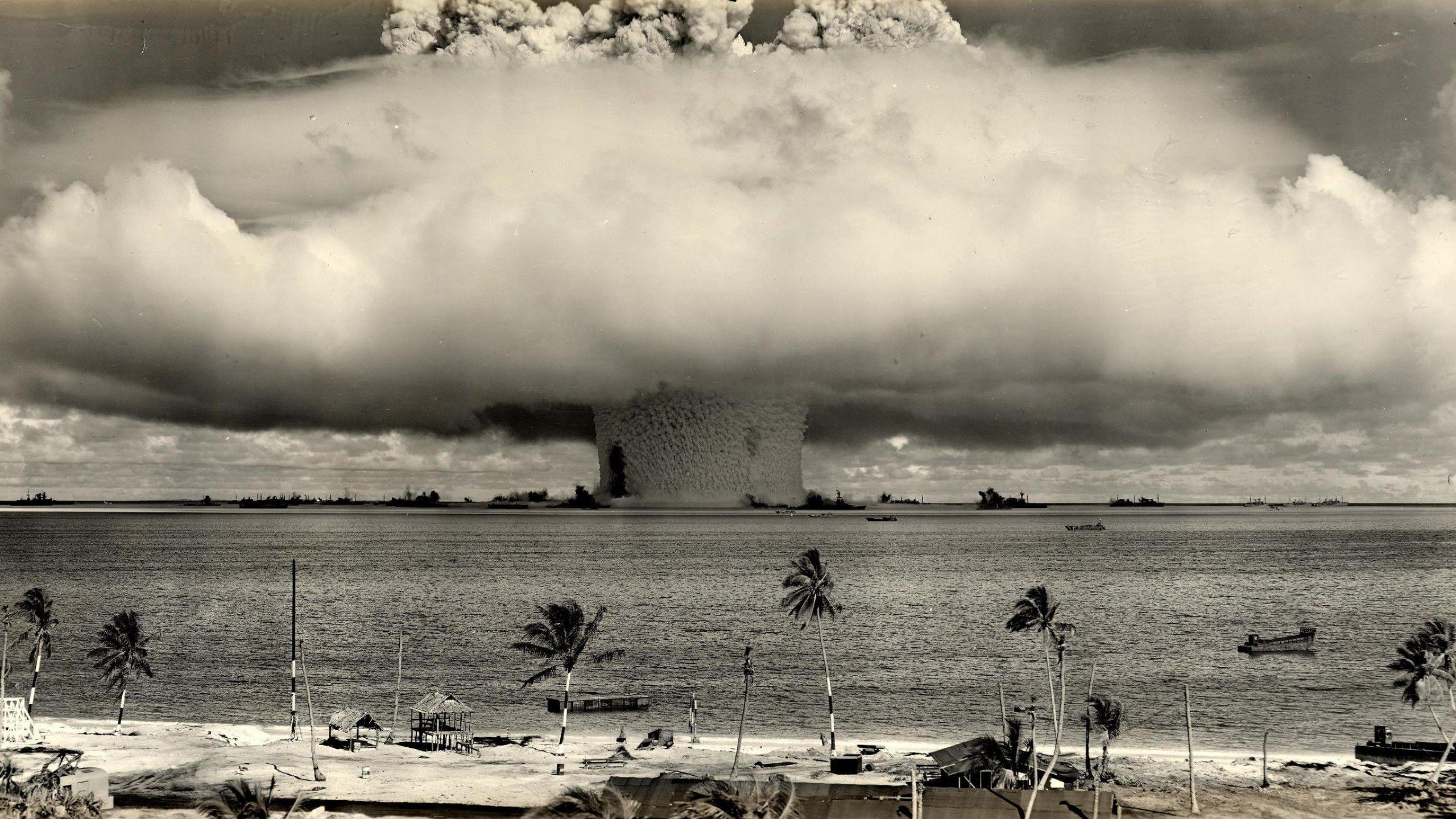 960x800 Funny Nuclear Explosions Hello 1024x768 Wallpaper Download