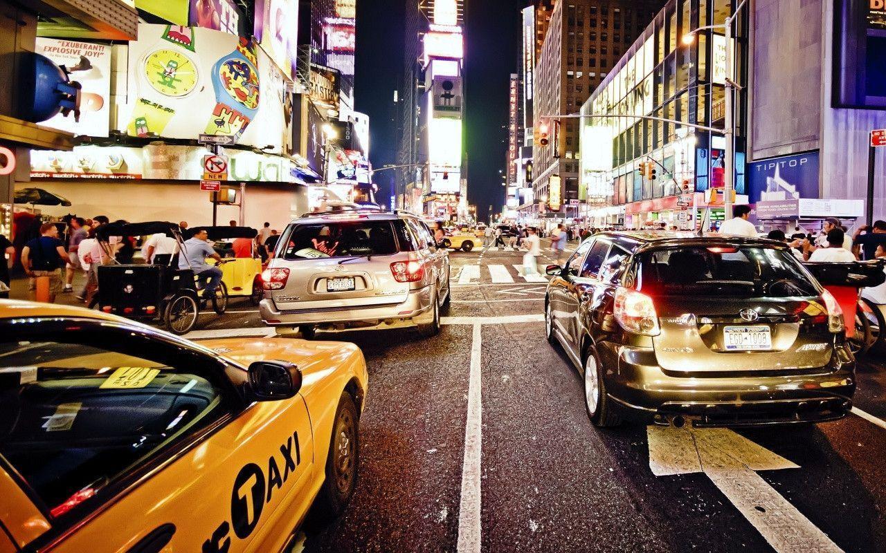 New York City Traffic at Night Wallpaper « Wallpaperz.