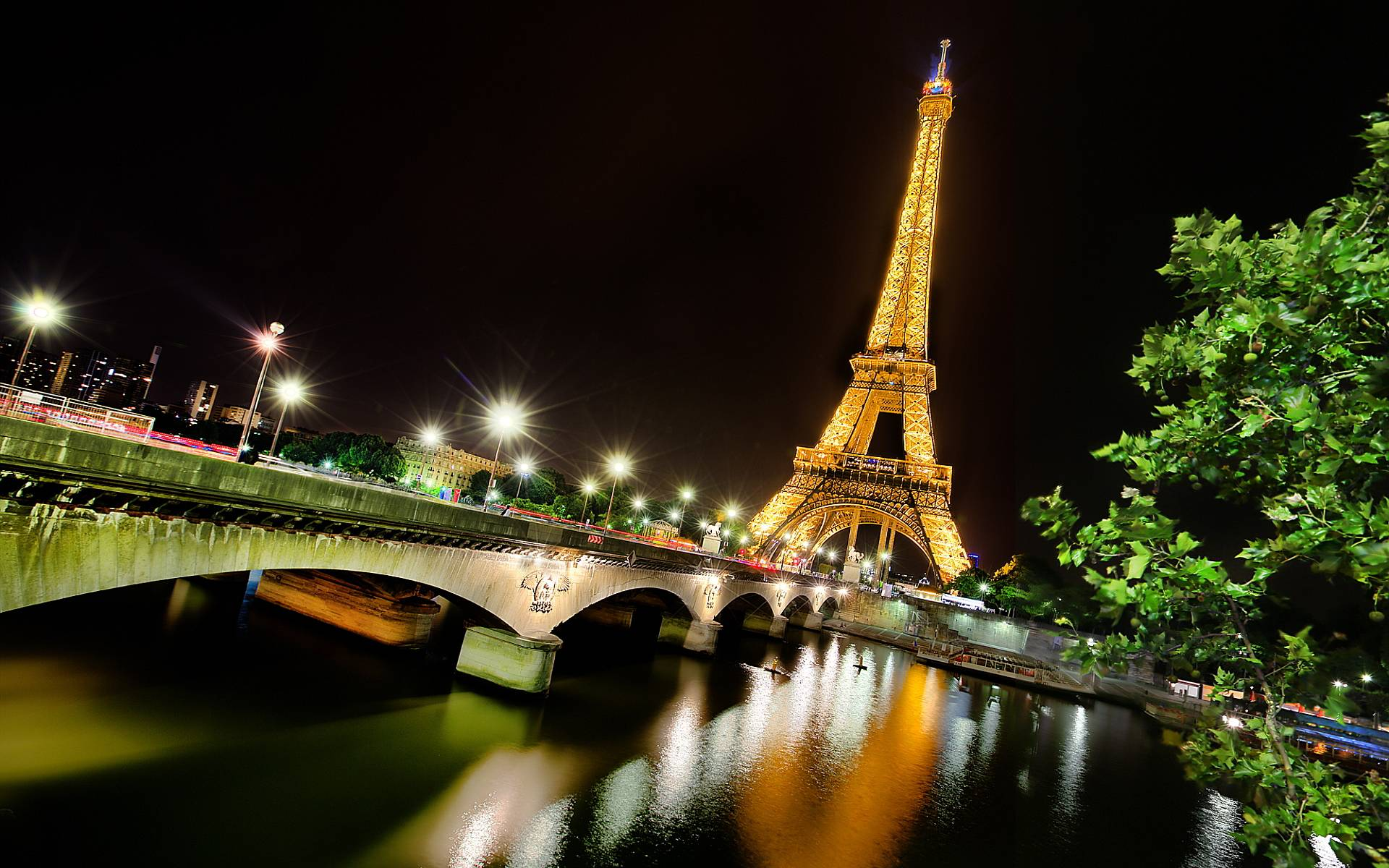 Eiffel Tower At Night Wallpapers