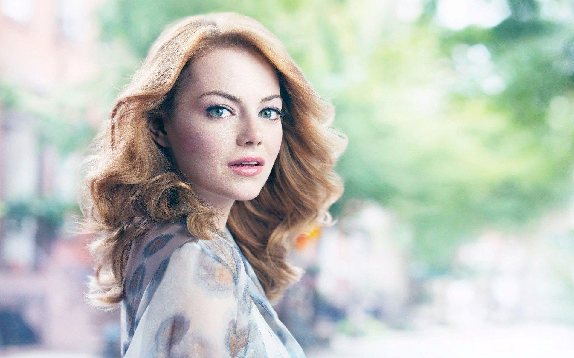 Beautiful Emma Stone Wallpapers