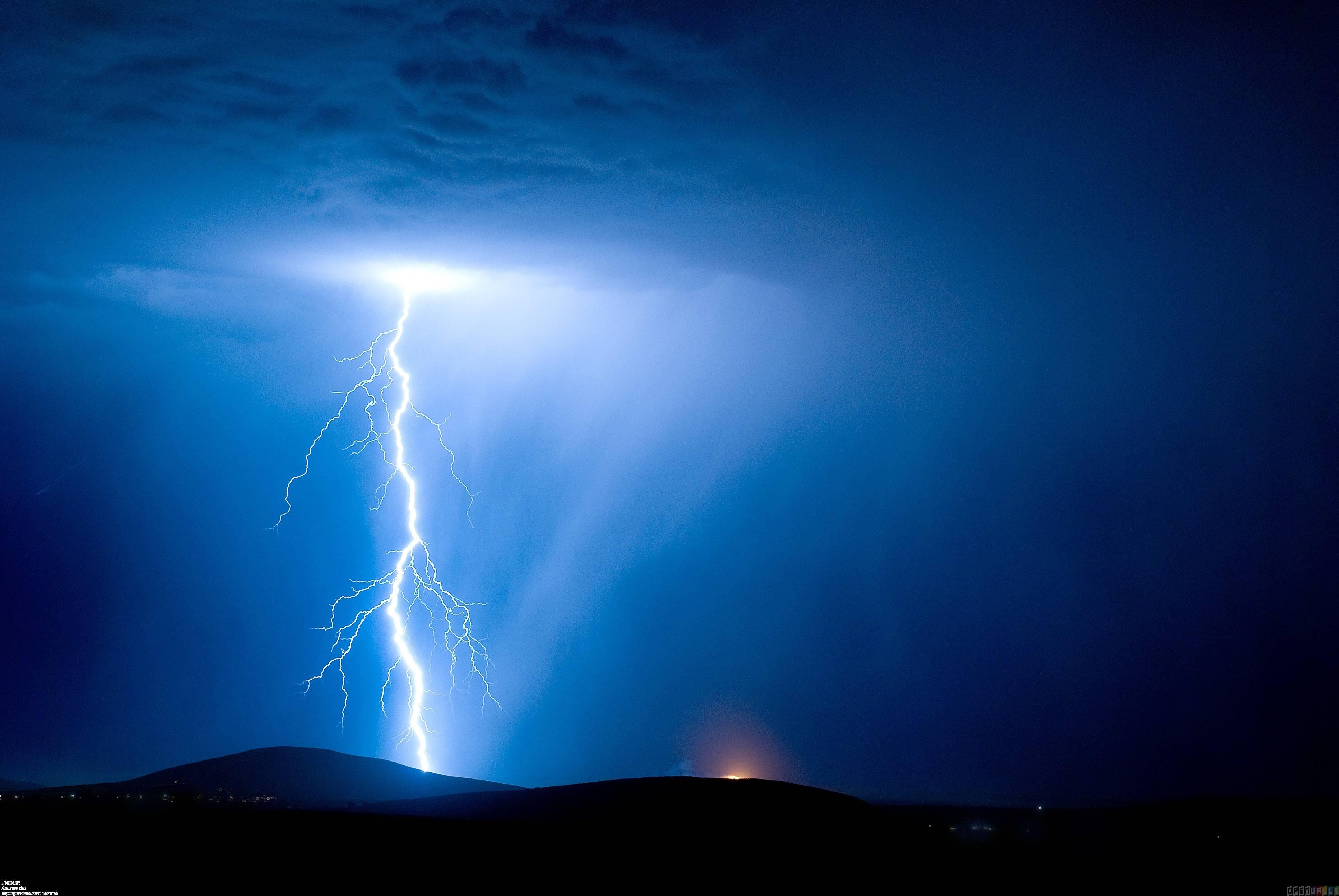 lightning black wallpaper - photo #9