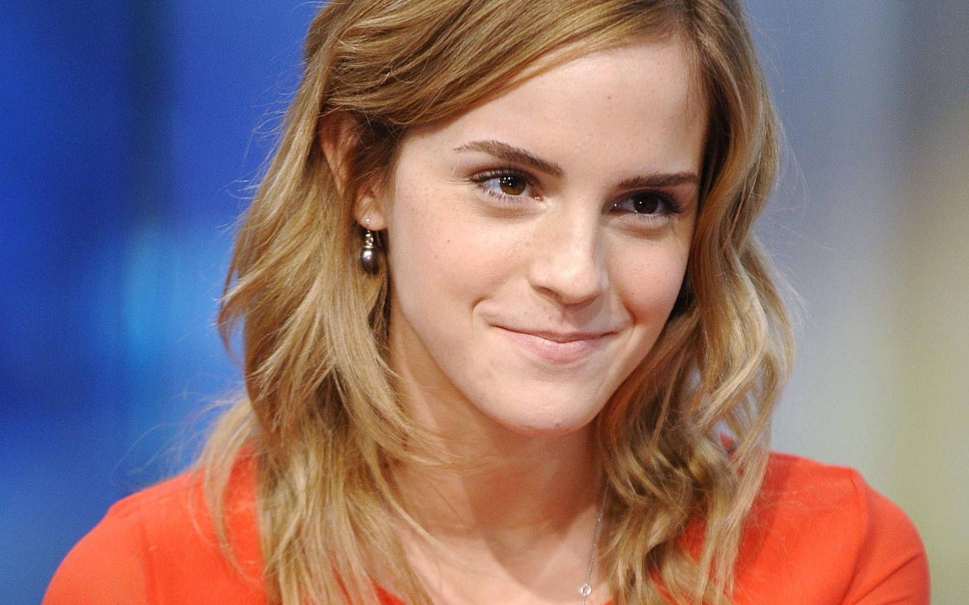 Emma Watson HD wallpaper #16 - Apnatimepass.com