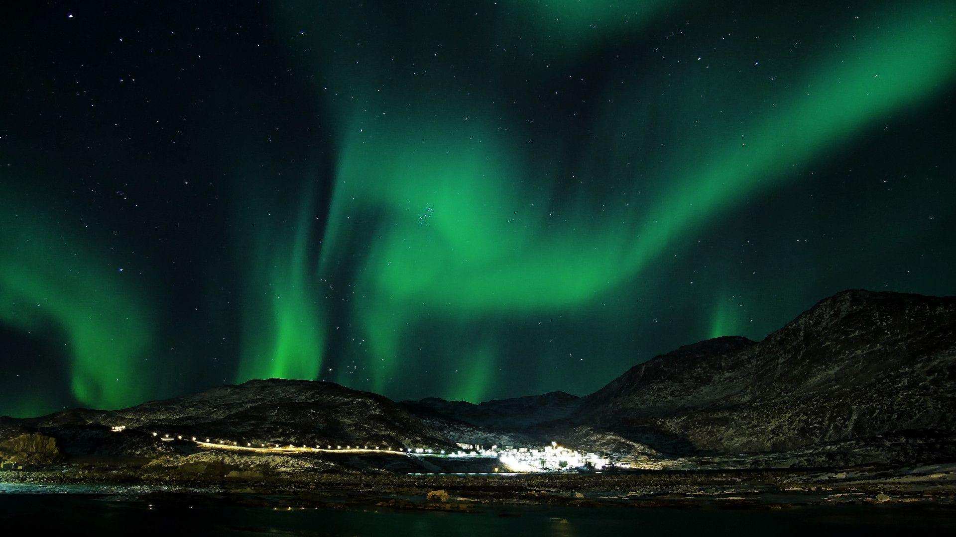 Aurora Borealis over village wallpapers Wide or HD