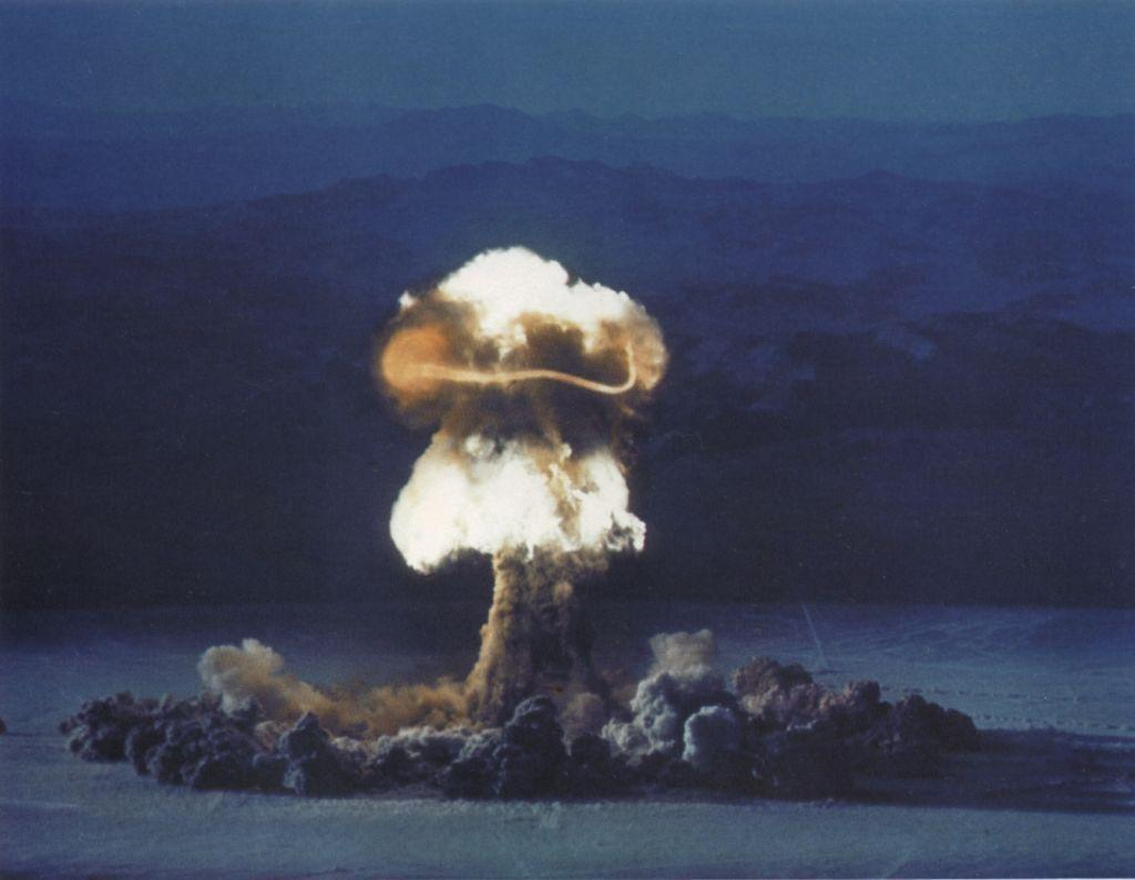 hd wallpapers atomic explosion - photo #40