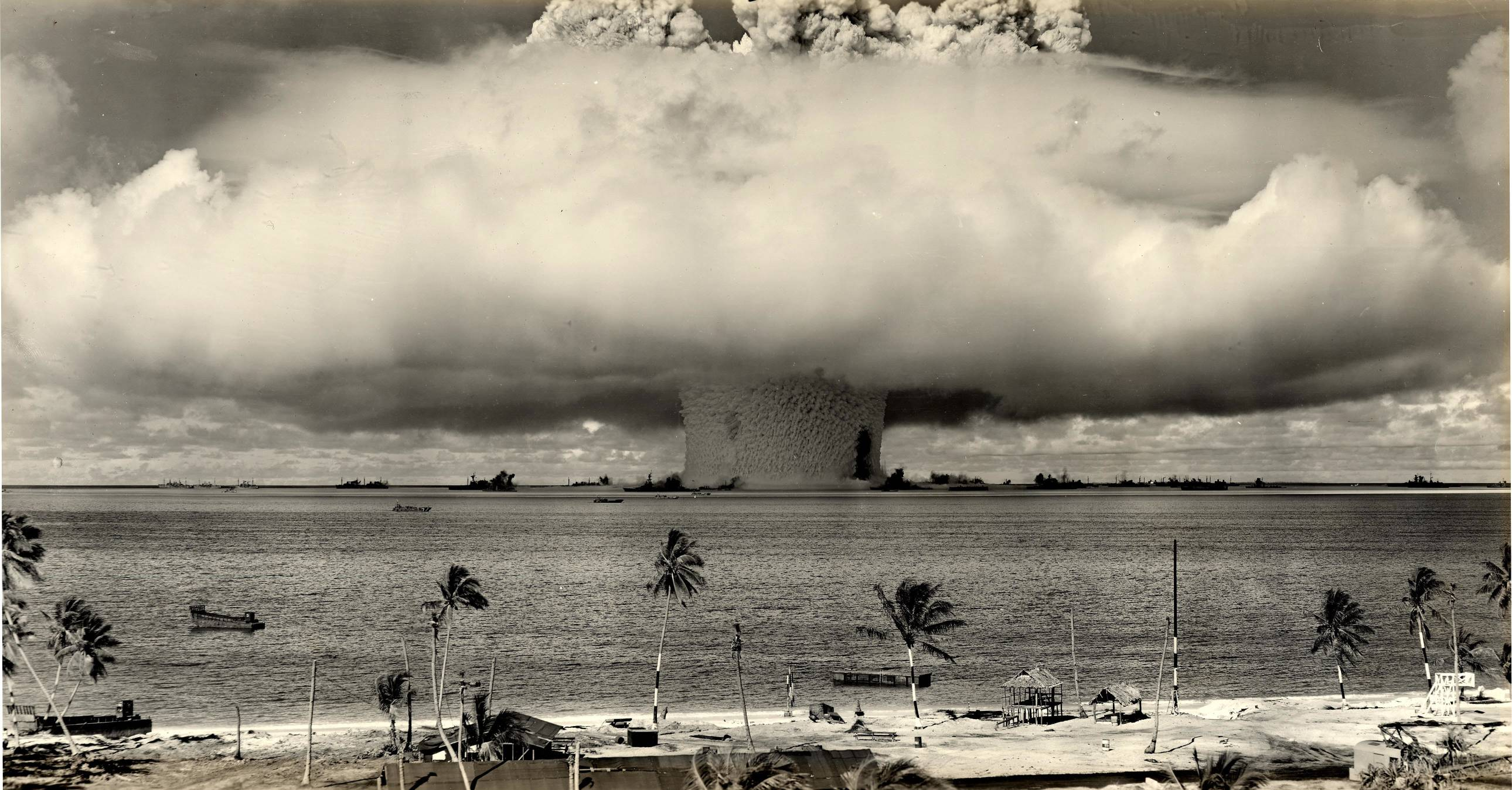 Nuclear Explosion Wallpaper 2580x1348