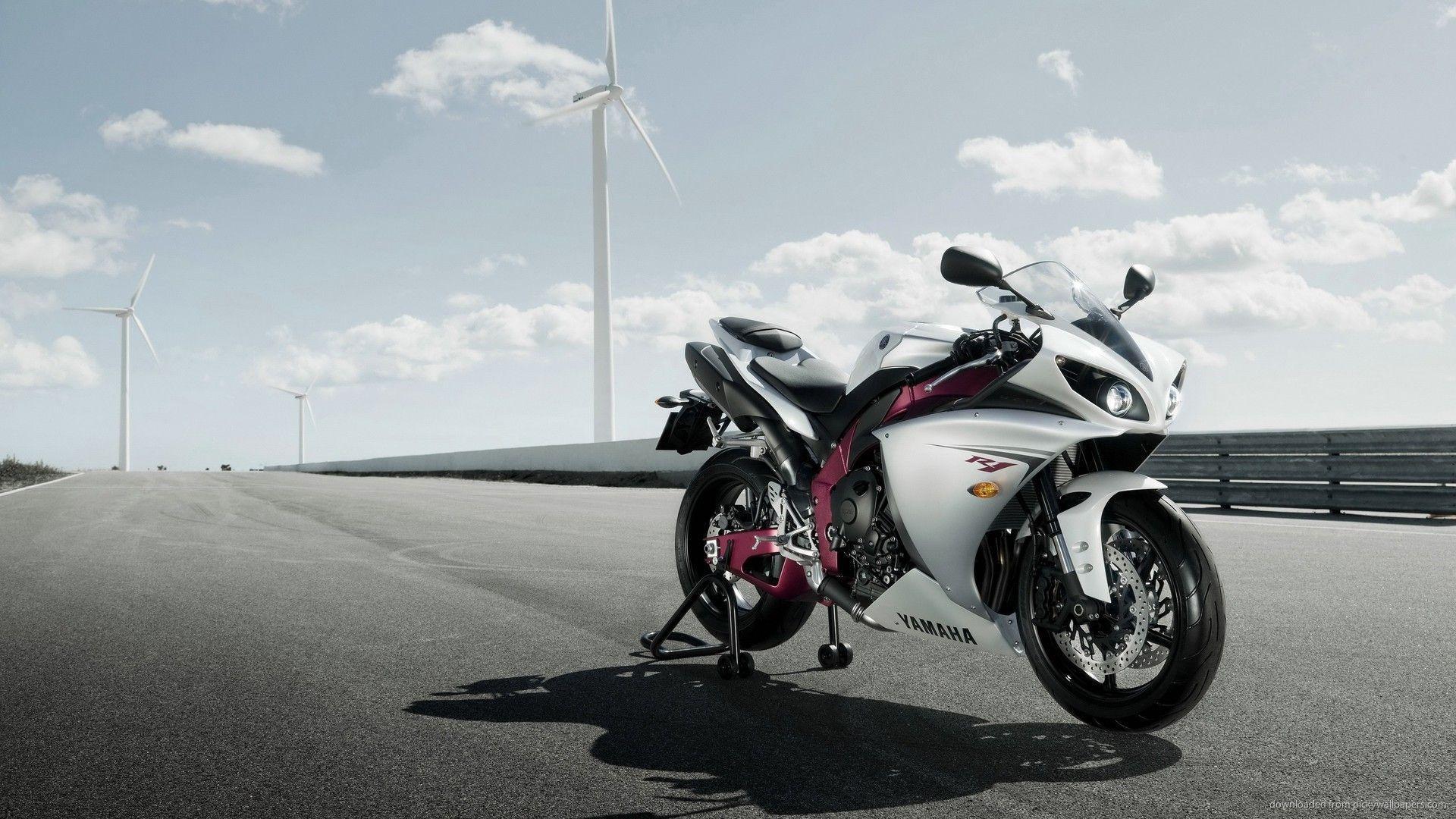 Yamaha R1 Wallpapers