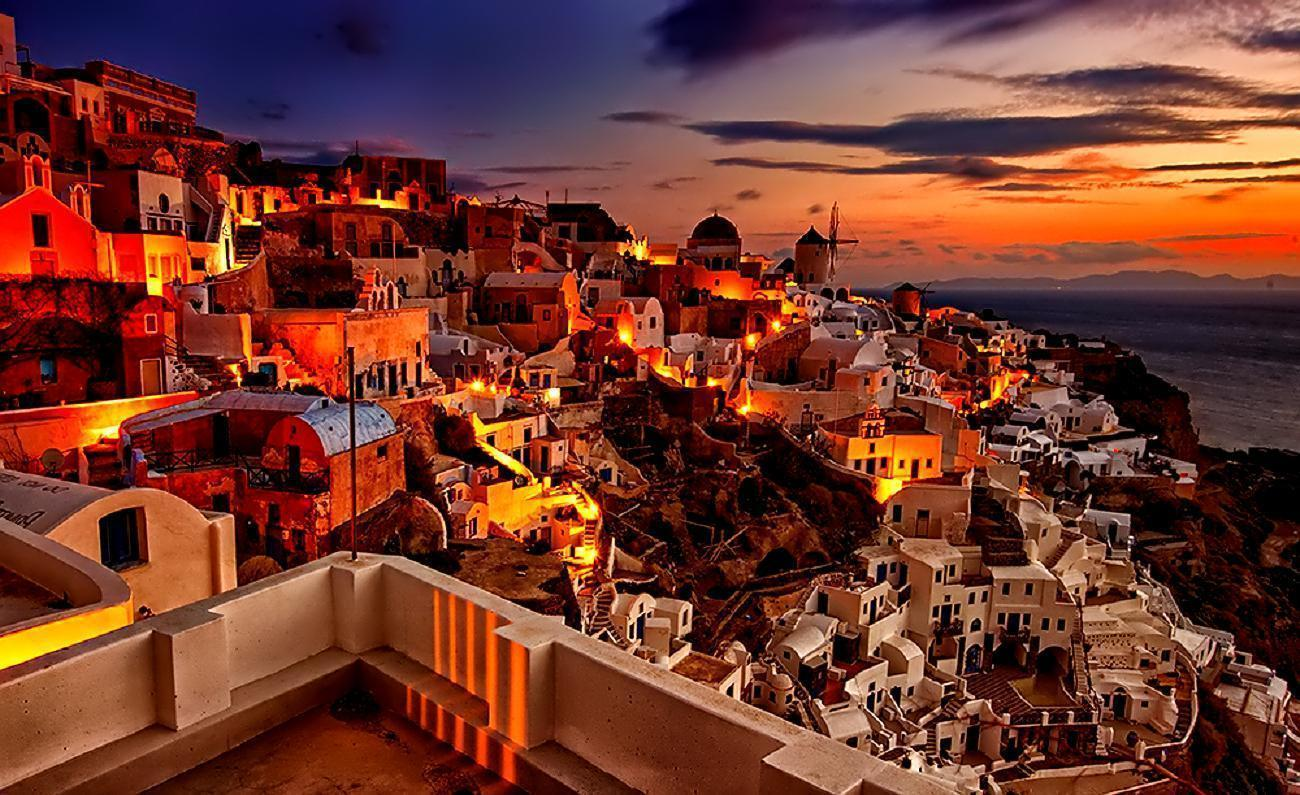 Santorini Sunset Desktop Wallpapers