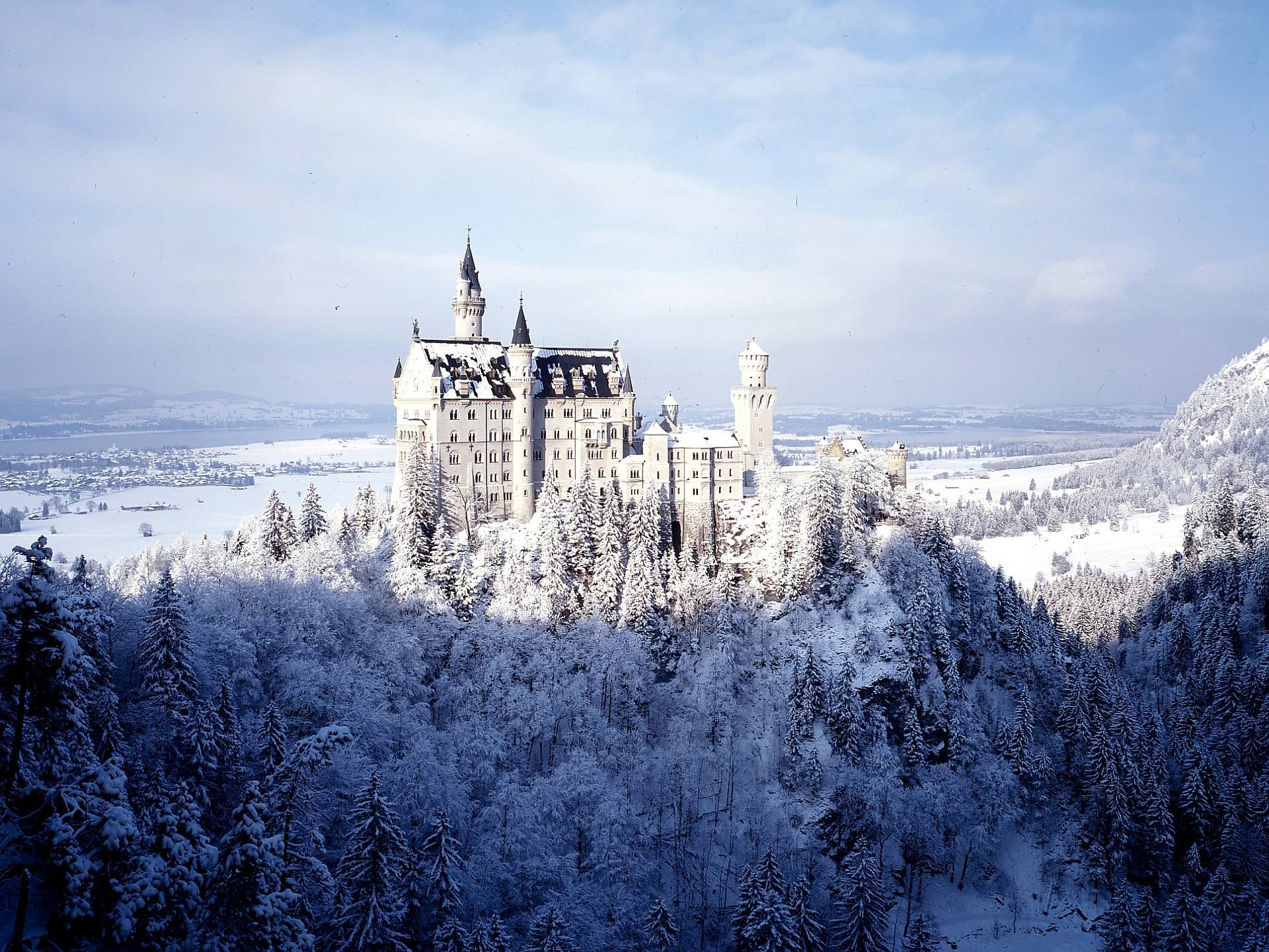 Neuschwanstein Castle Computer Wallpapers, Desktop Backgrounds ...