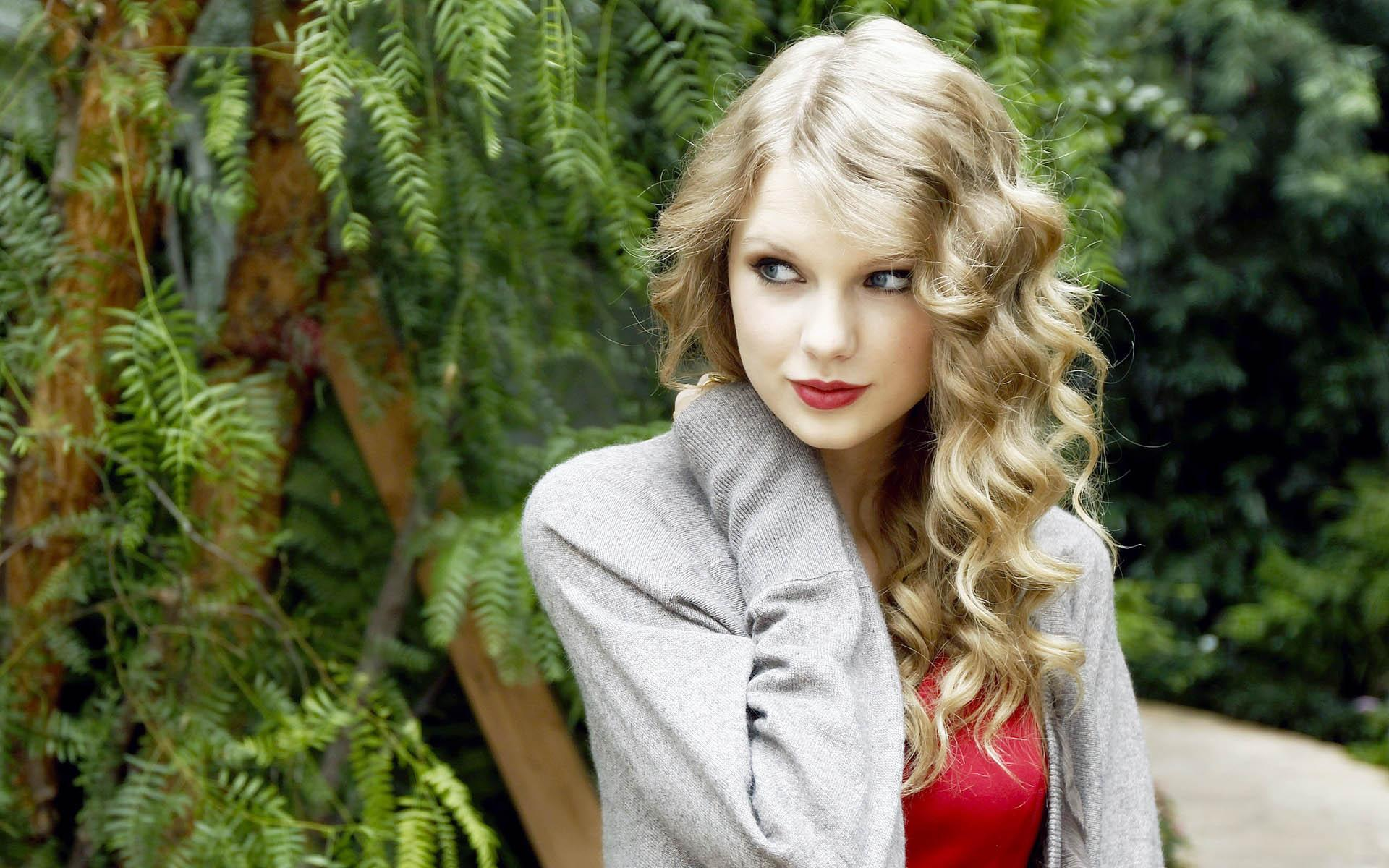 Taylor Swift Backgrounds Wallpaper