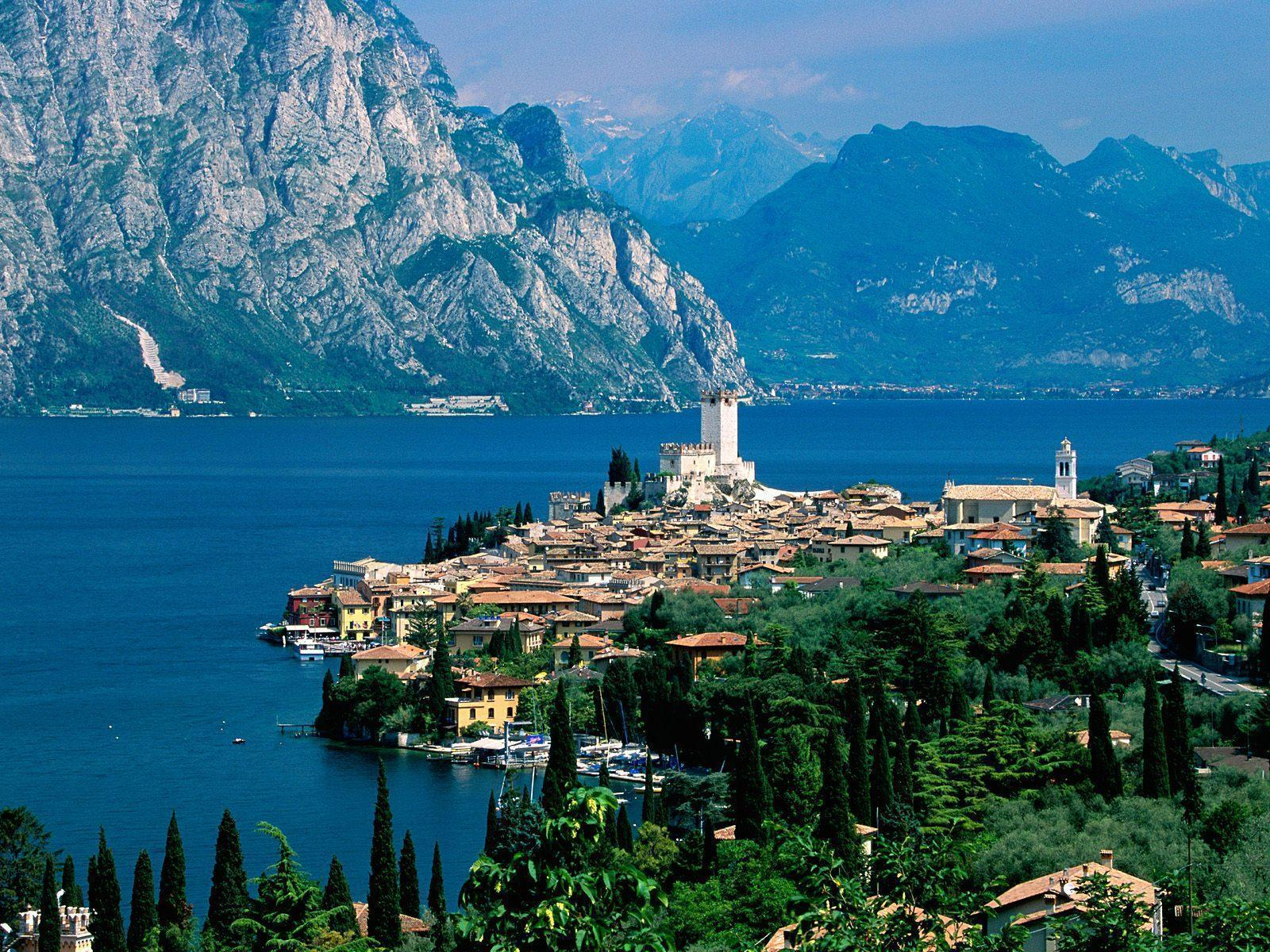 Lake Garda Italy free desktop background - free wallpaper image
