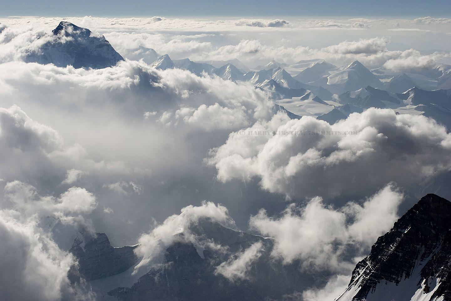 12 Mount Everest pictures and summit video added