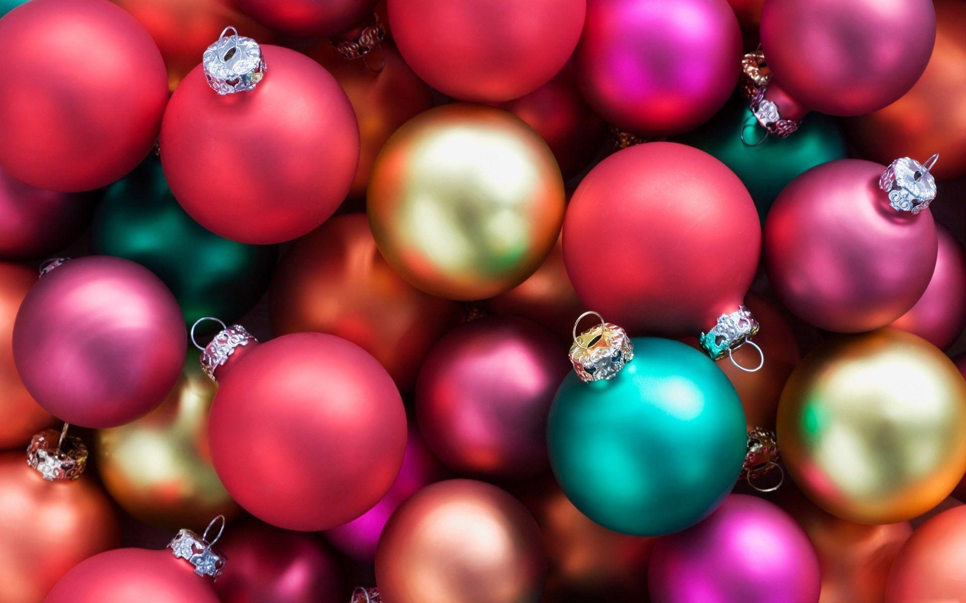 Christmas decorations HD wallpapers from Angels to globes in the homes