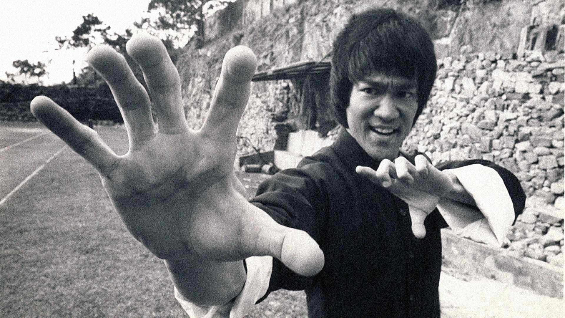 Bruce Lee - Bruce Lee Wallpaper (26492390) - Fanpop