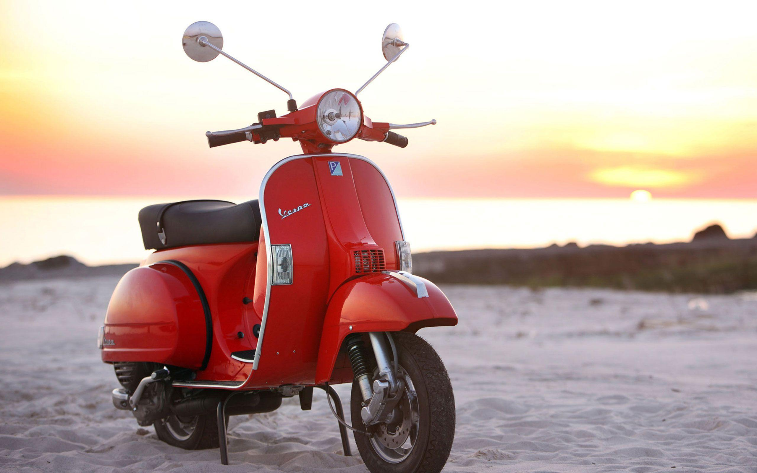 A Vespa PX 125 motorcycles HD Wallpaper 2560x1600 | Hot HD Wallpaper
