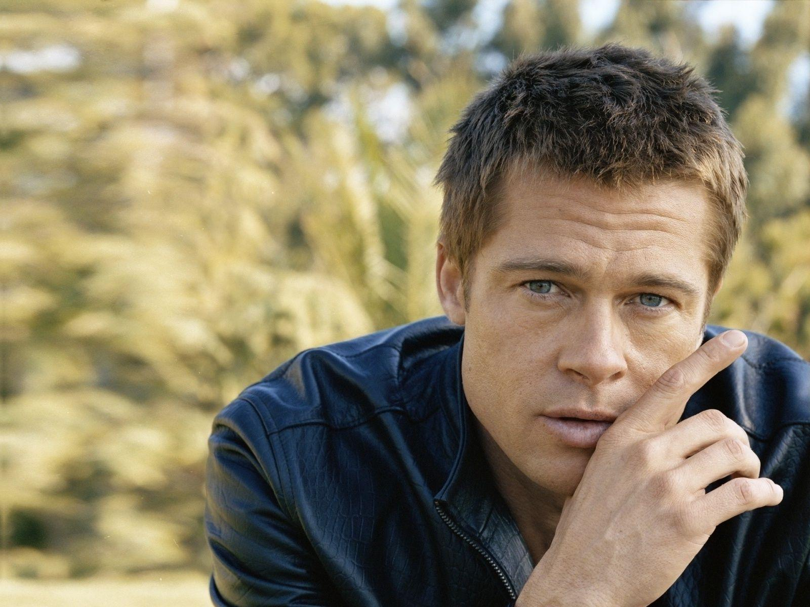 Brad Pitt Widescreen Desktop Wallpaper - Celebrities Powericare.