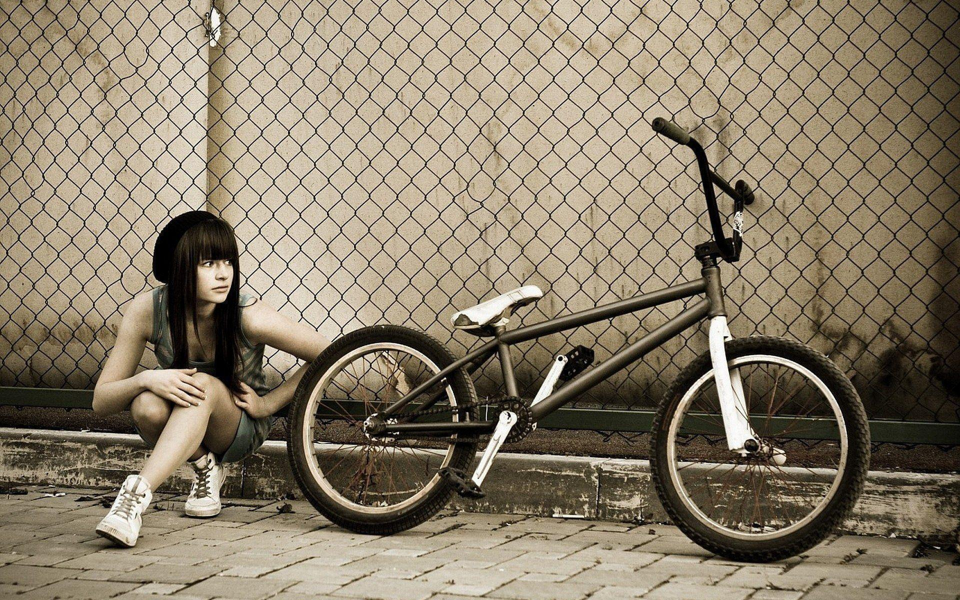 bmx and girl wallpaper - photo #1