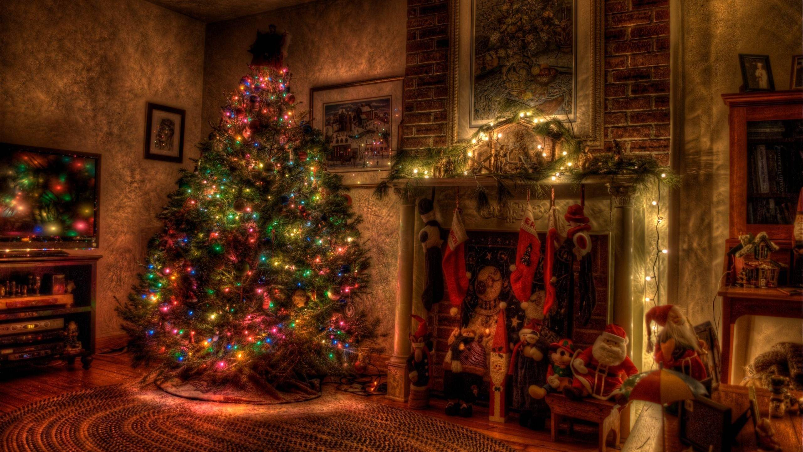 Download Christmas Fireplace Wallpapers