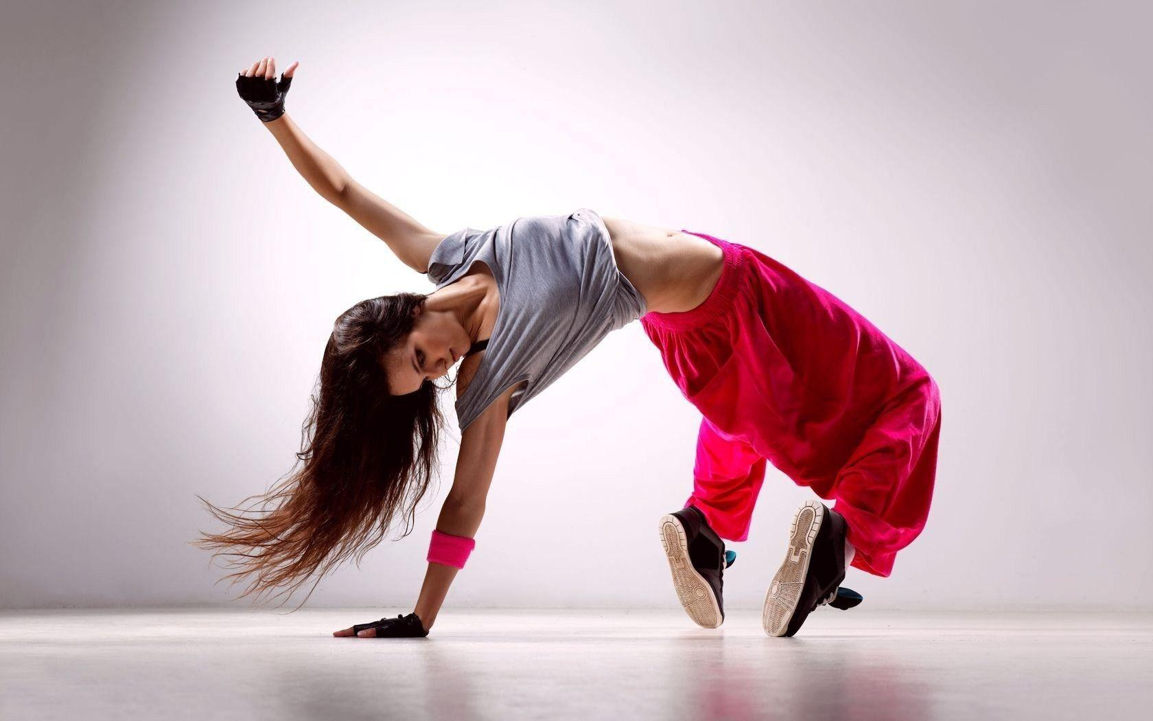 Cool Girl Dance HD Wallpapers