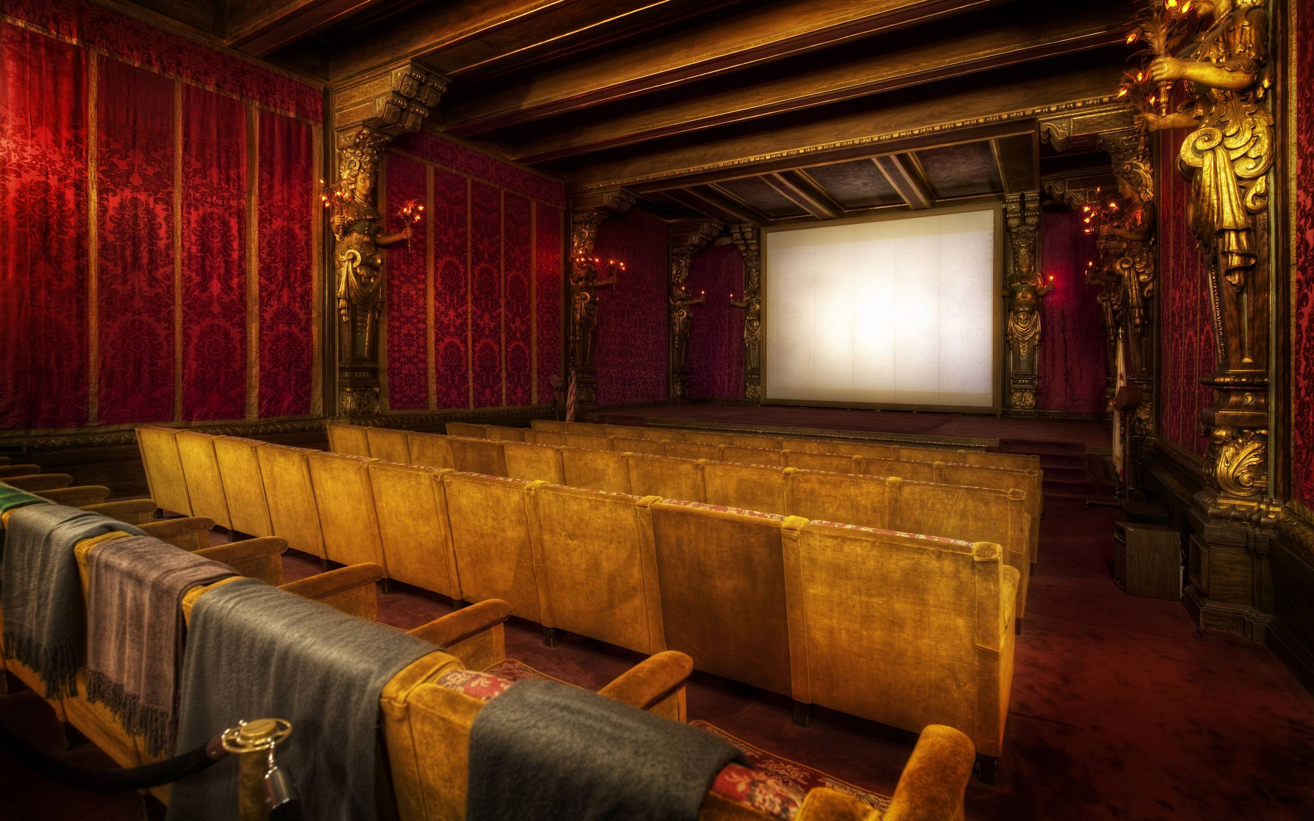 Image gallery movie theater wallpaper for Wallpaper home zone
