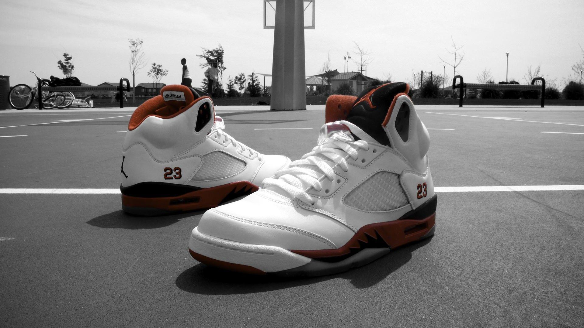 "Weekly Wallpaper: Air Jordan 5 ""Fire Red"" 