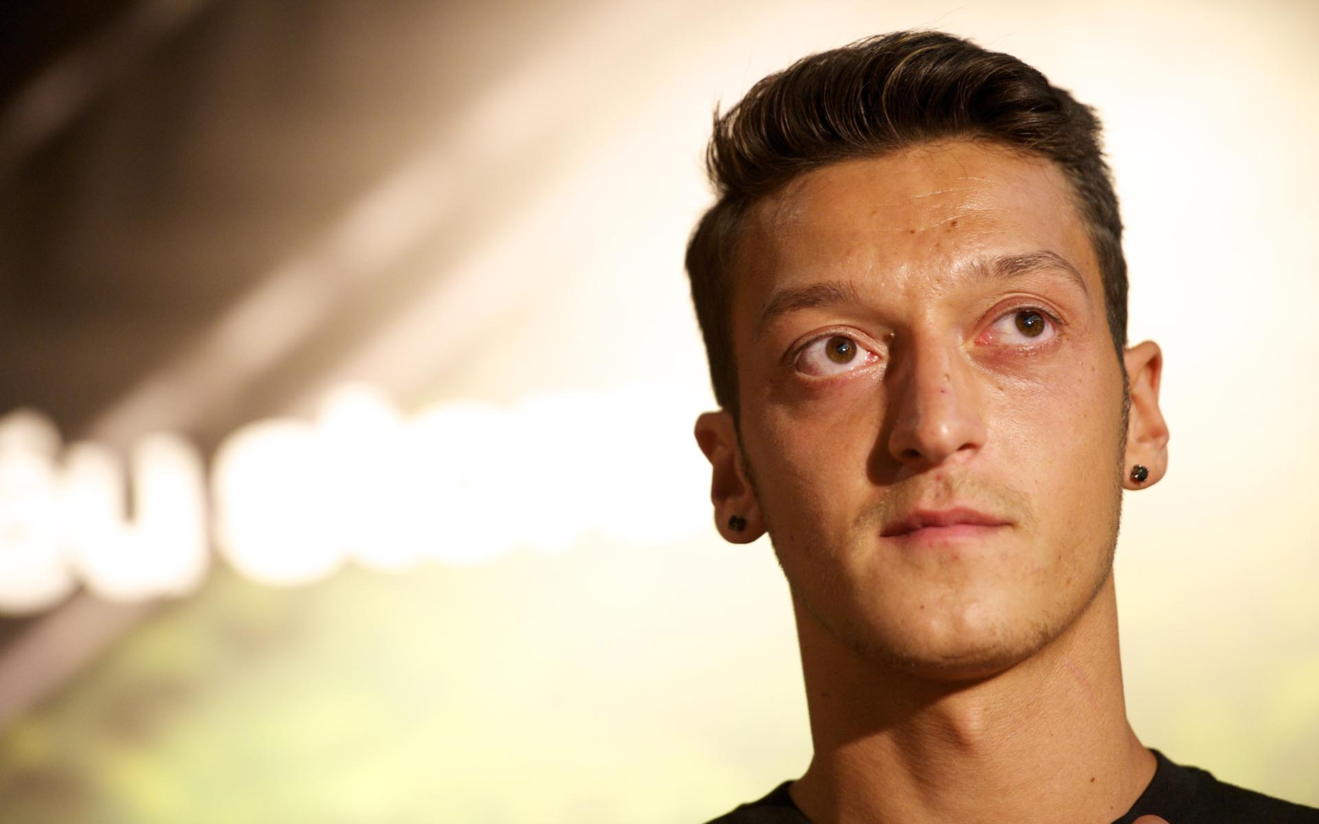 Mesut Ozil 2013 Wallpapers