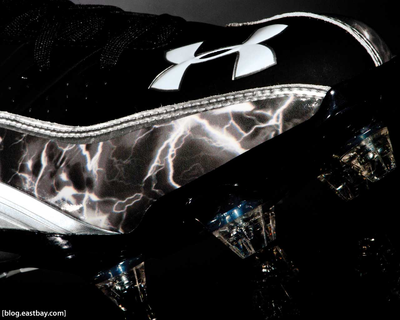Wallpaper: Under Armour Fierce III Mid | Eastbay Blog