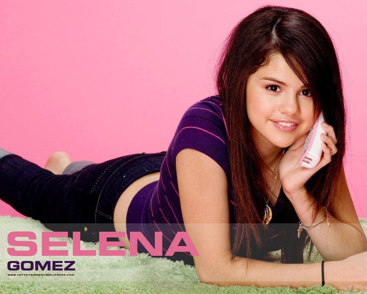 Selena Gomez Wallpaper 35 Backgrounds | Wallruru.com