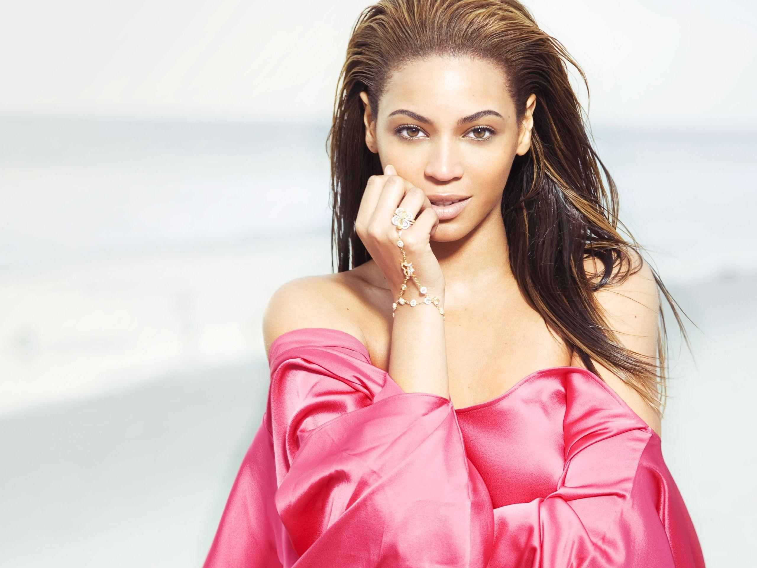Beyonce Wallpapers 39838 in Celebrities F