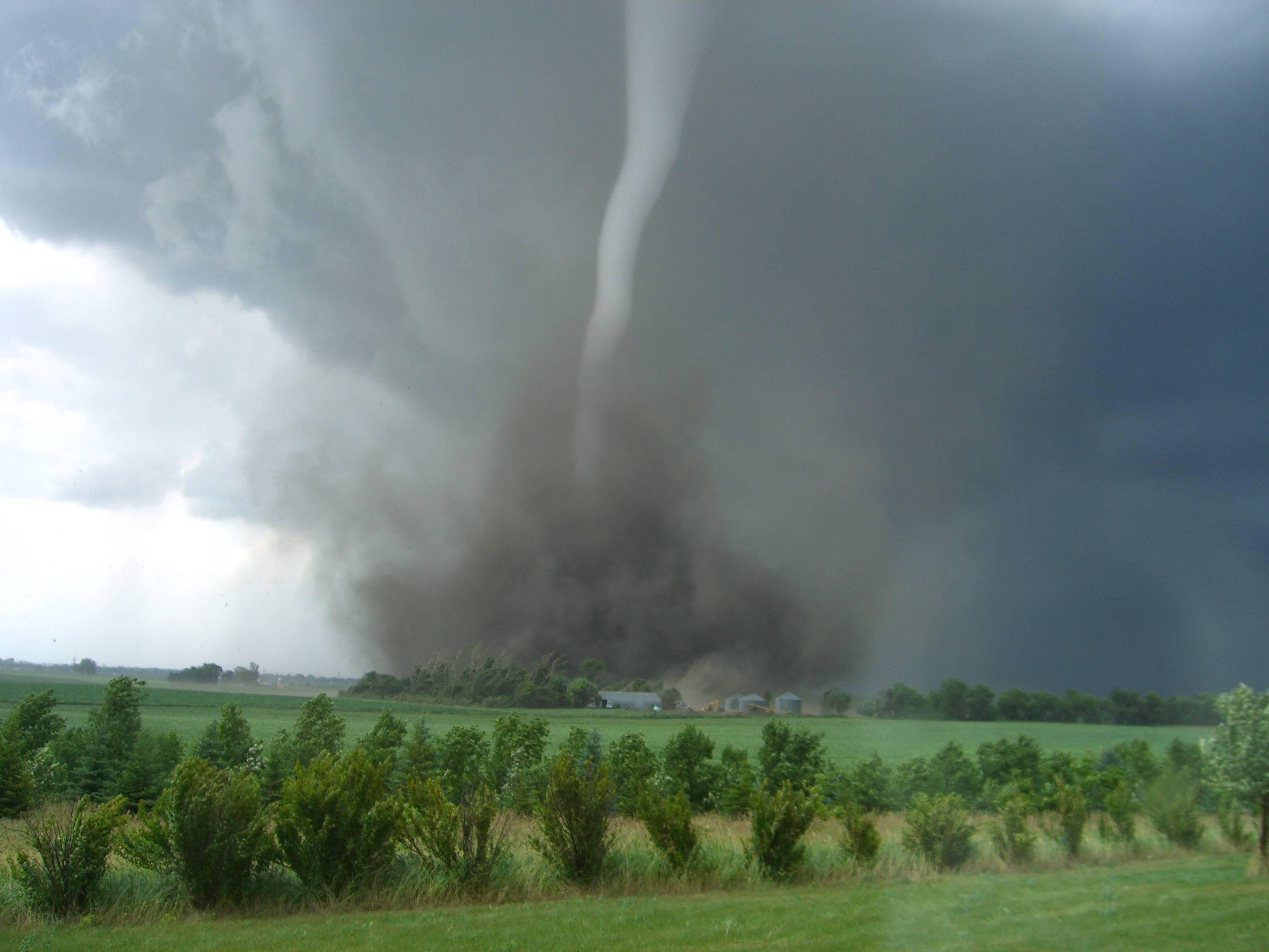 Tornado CoE9vlP