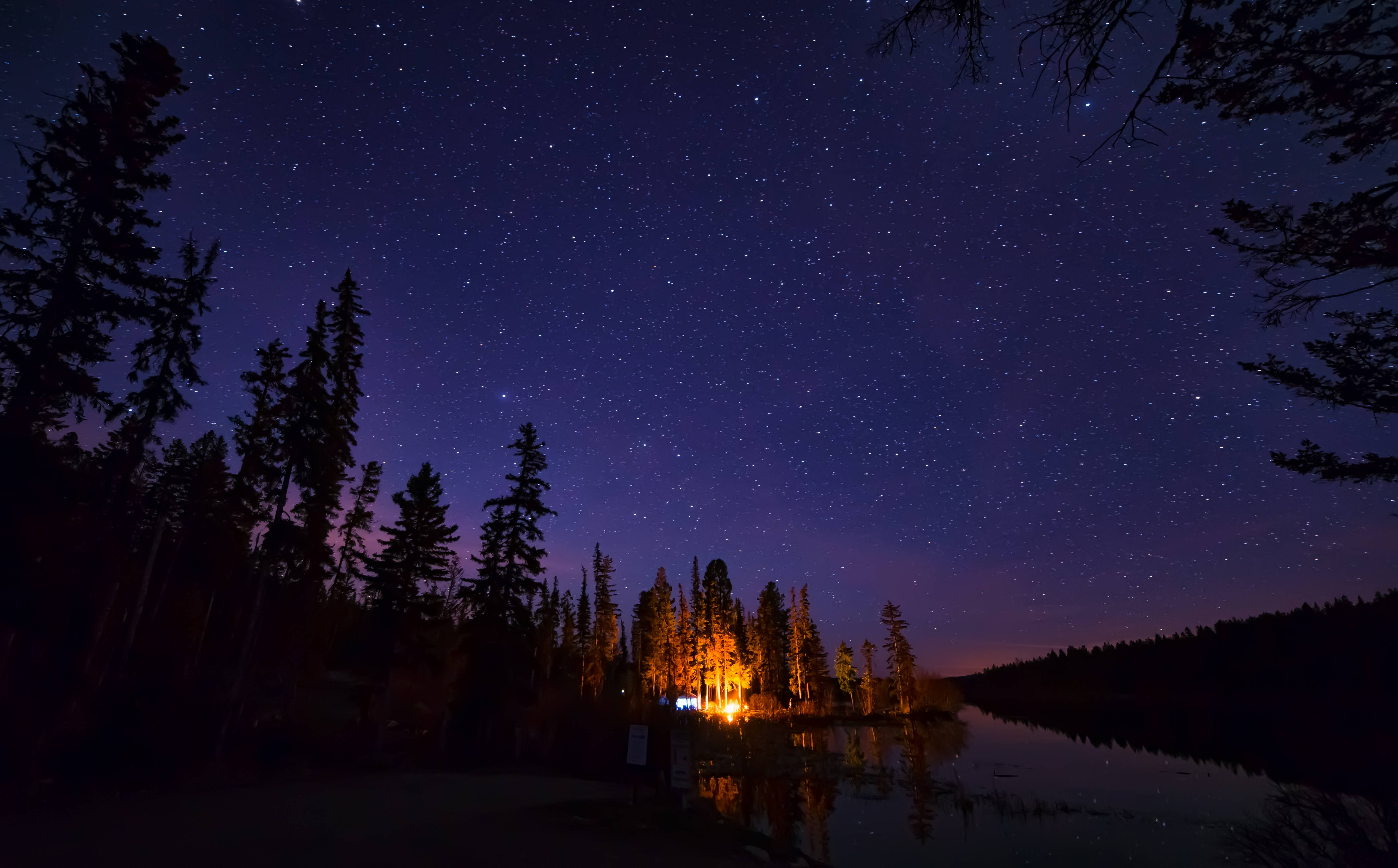 Download wallpapers Distant Campfire, Roche Lake Provincial Park