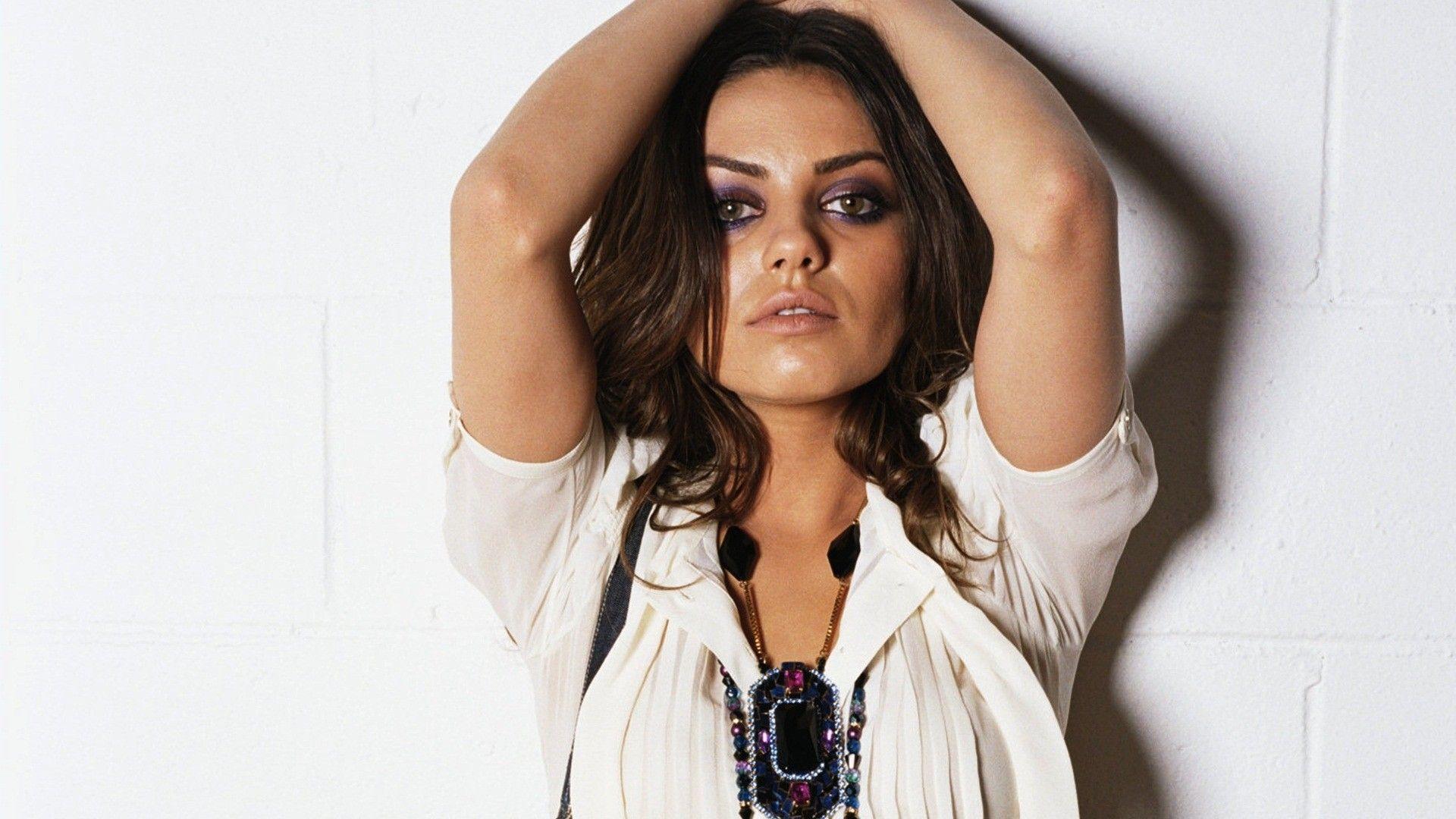 Best Mila Kunis Wallpaper 02 | hdwallpapers-
