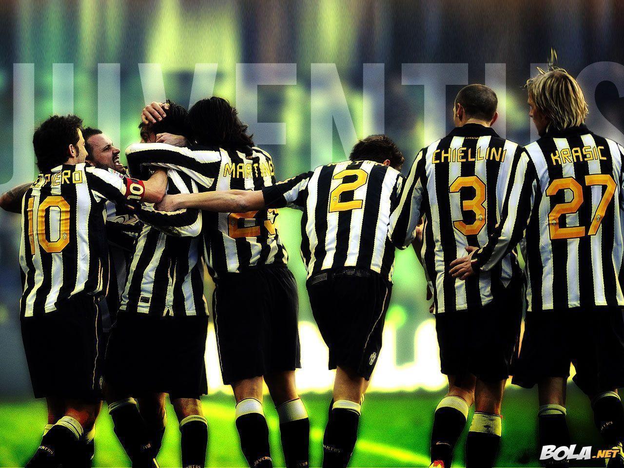 Pirlo Marchisio Vidal Wallpaper Juventus Wallpaper - Wide Wallpapers