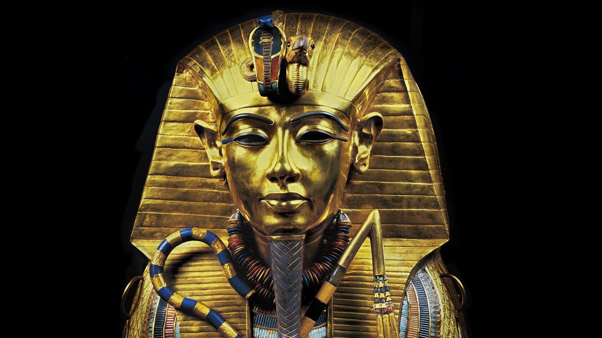 Golden Pharaoh Statue Wallpaper