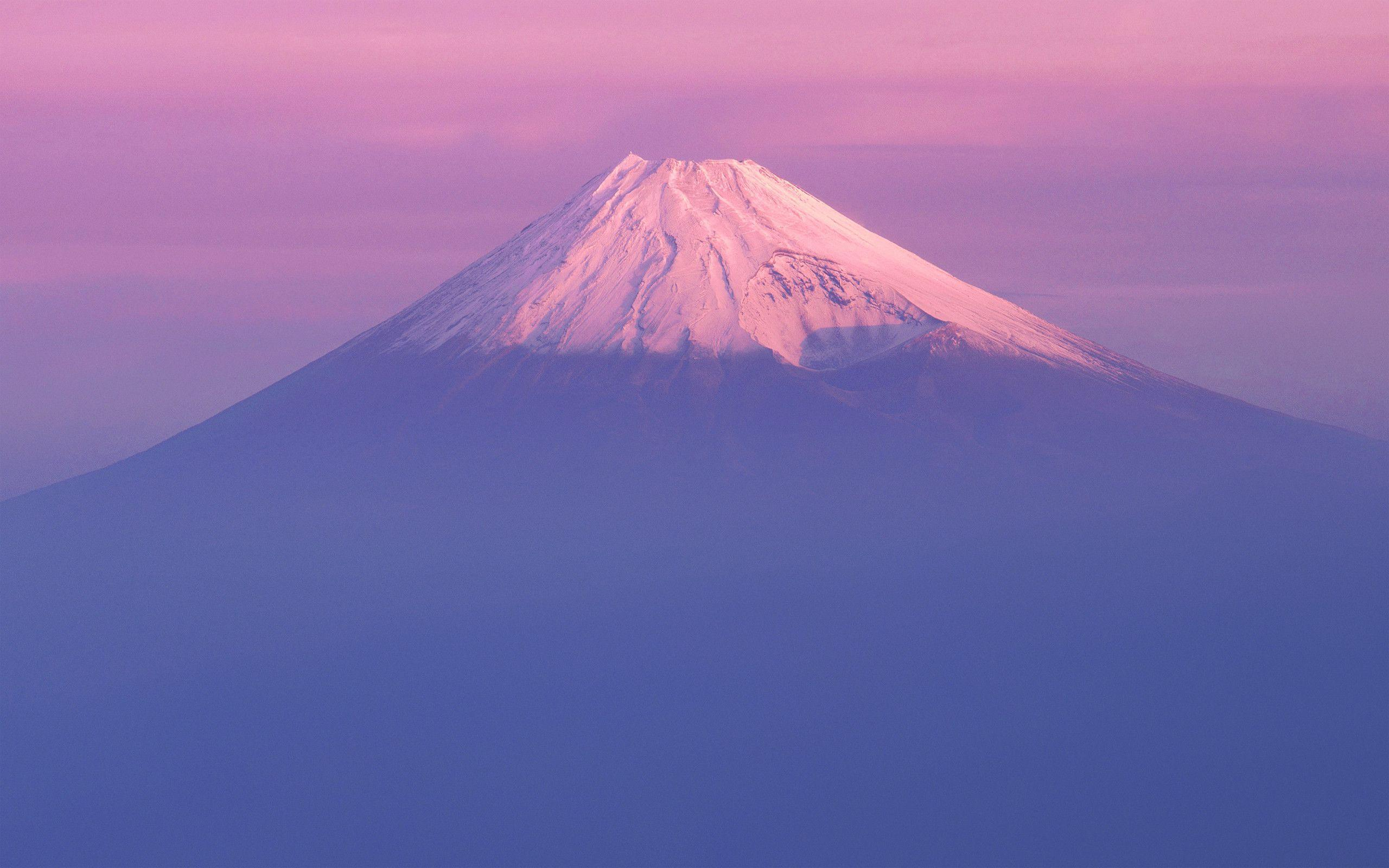 Mac OS X 10.7 Lion Fuji Mountain Wallpapers