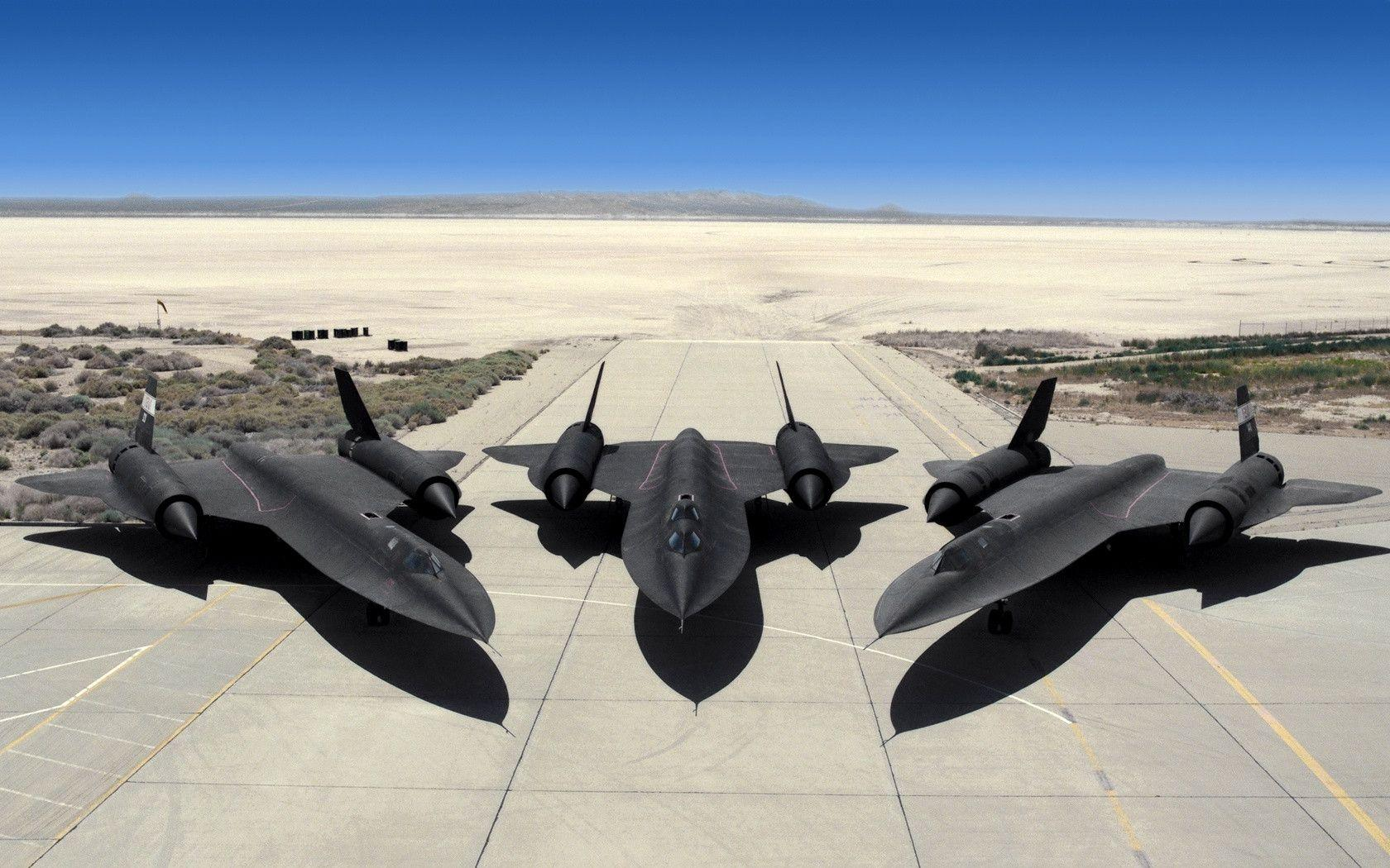 SR 71 Blackbird in the Air Force Base Wallpapers and Photo Download
