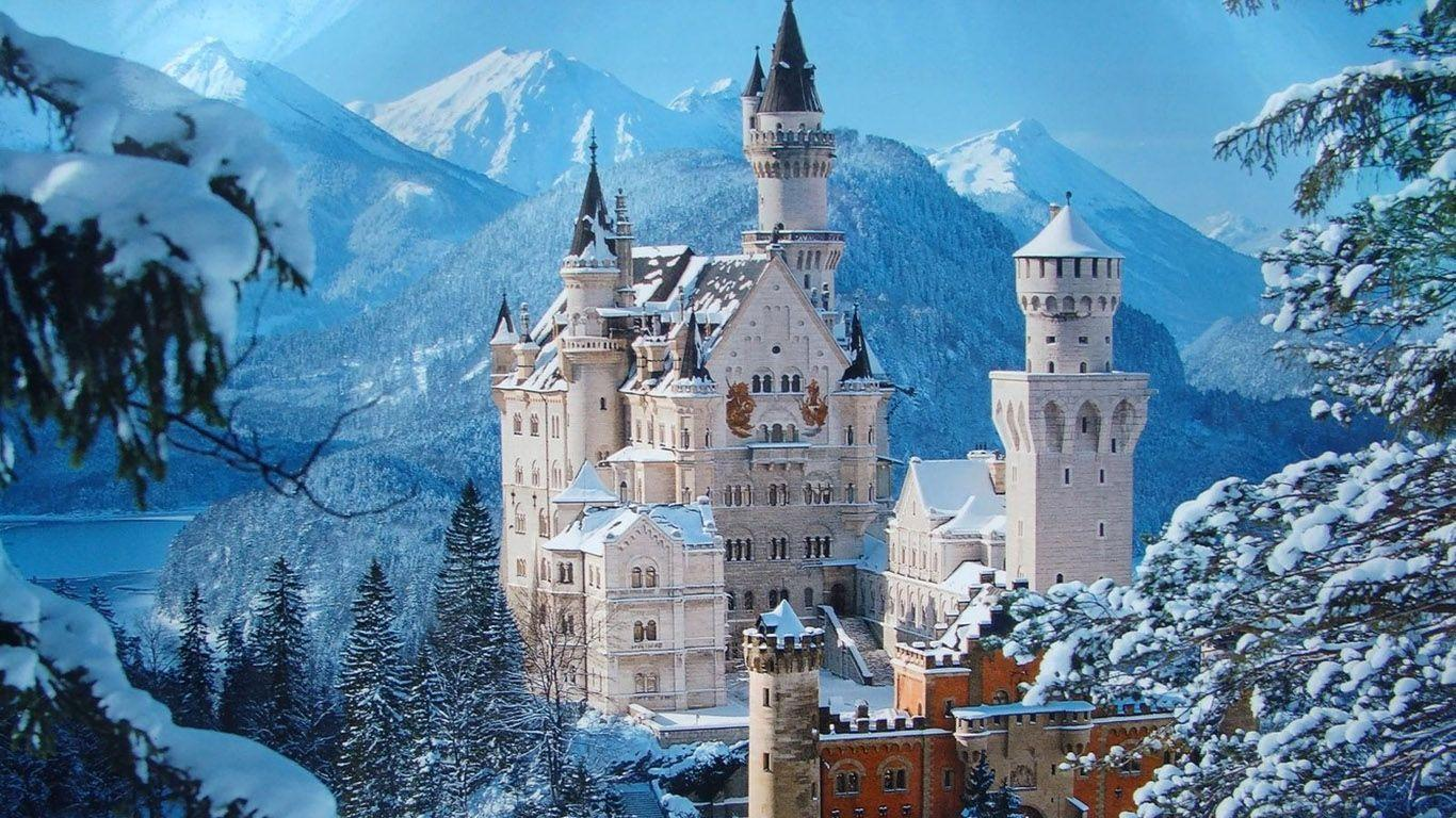Neuschwanstein Castle Desktop Wallpaper