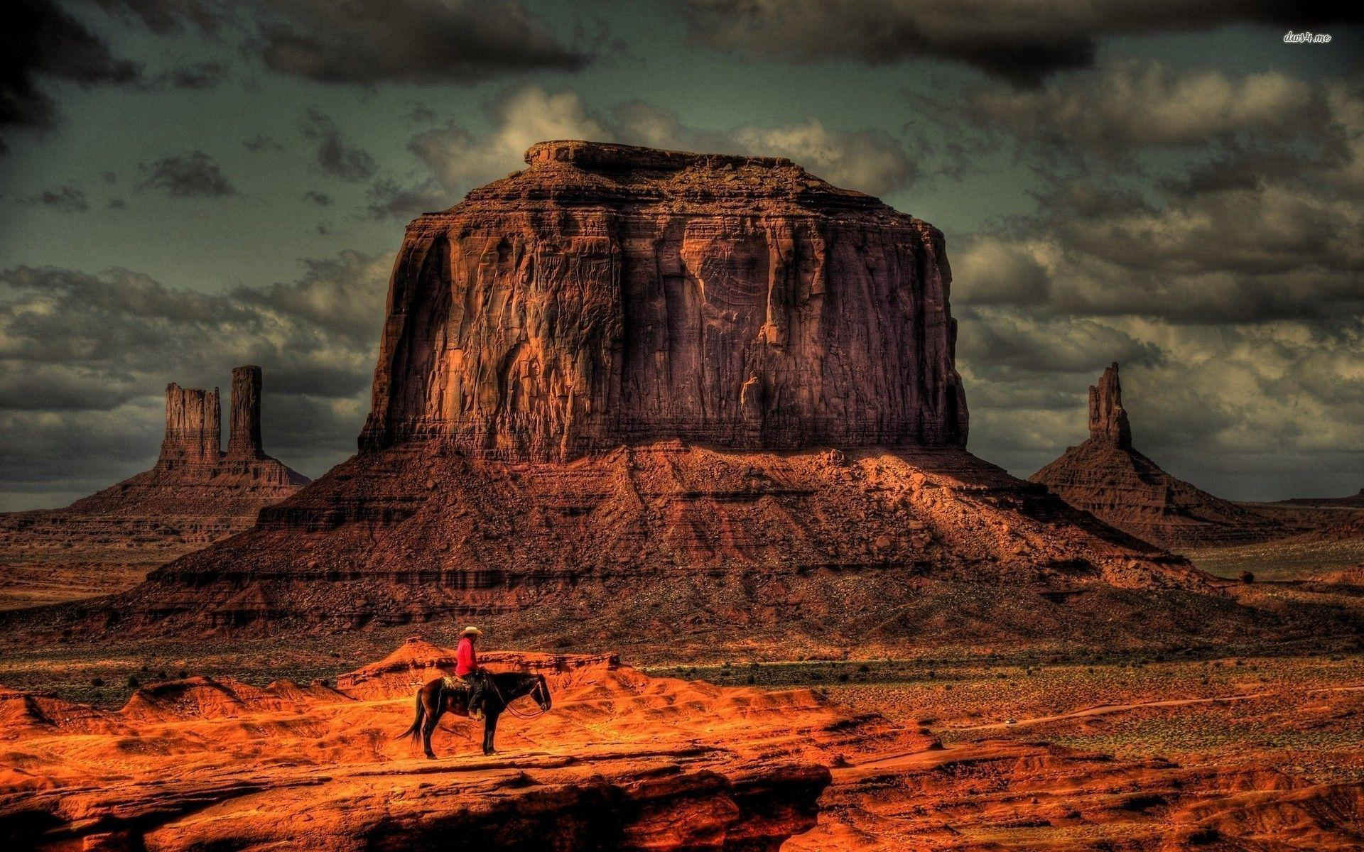 Cowboy in Monument Valley wallpapers