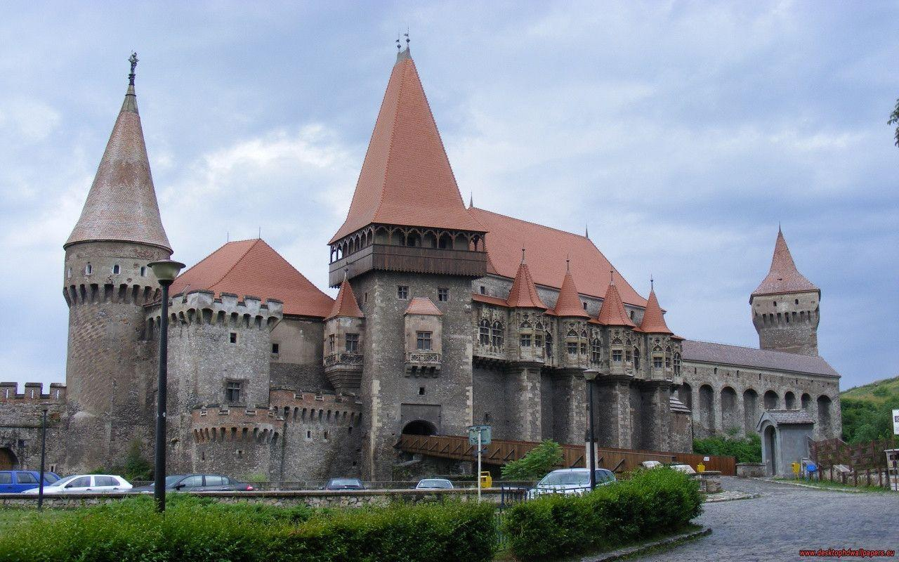 The Corvin Castle, Hunedoara, Romania Wallpapers